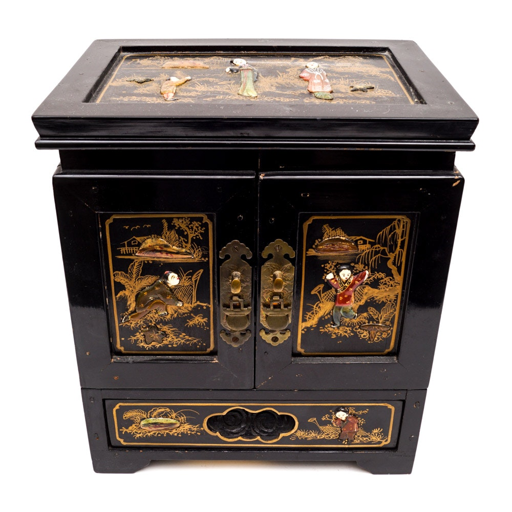 Lacquered and Hand-Painted Chinese Jewelry Chest
