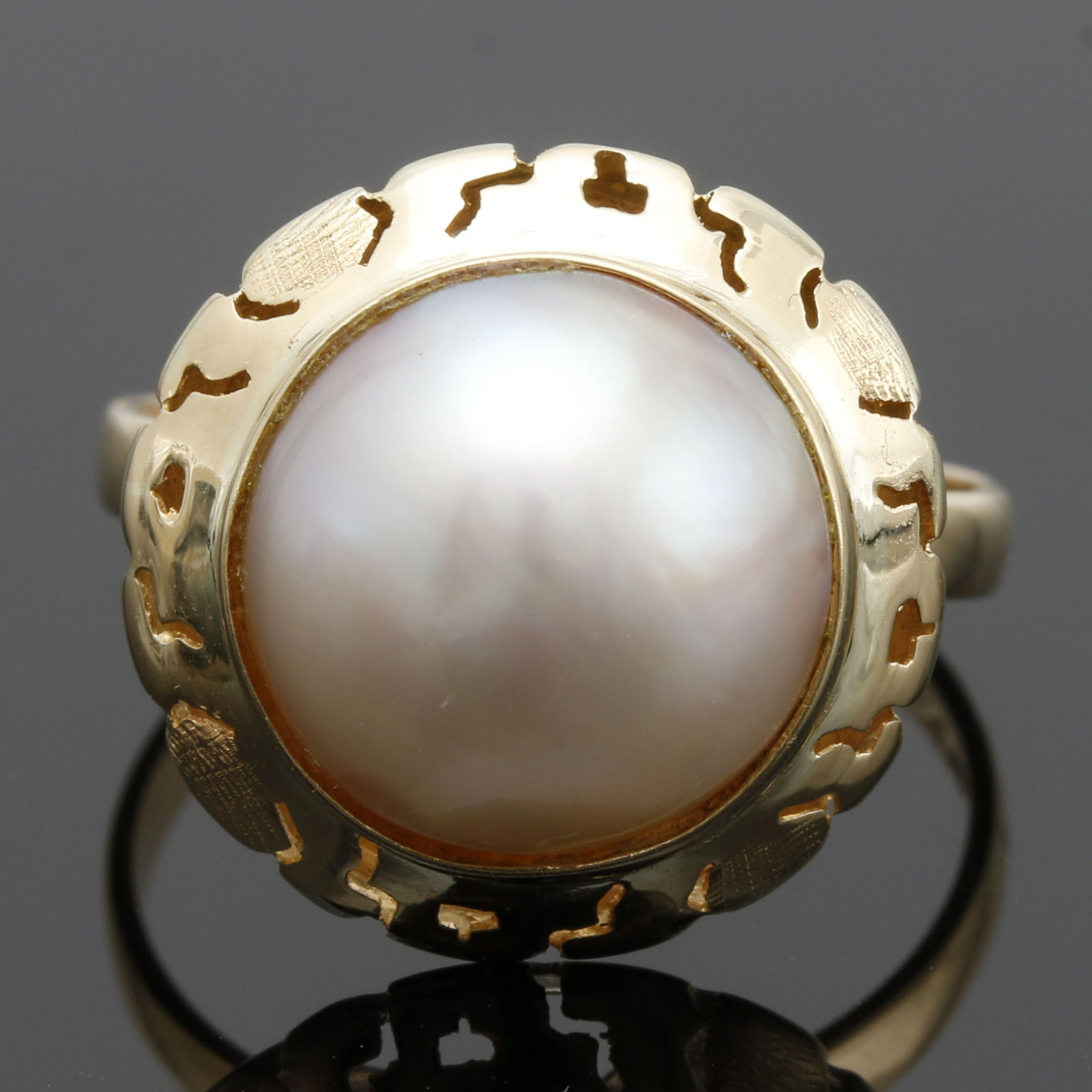 14K Yellow Gold Mabé Pearl Ring