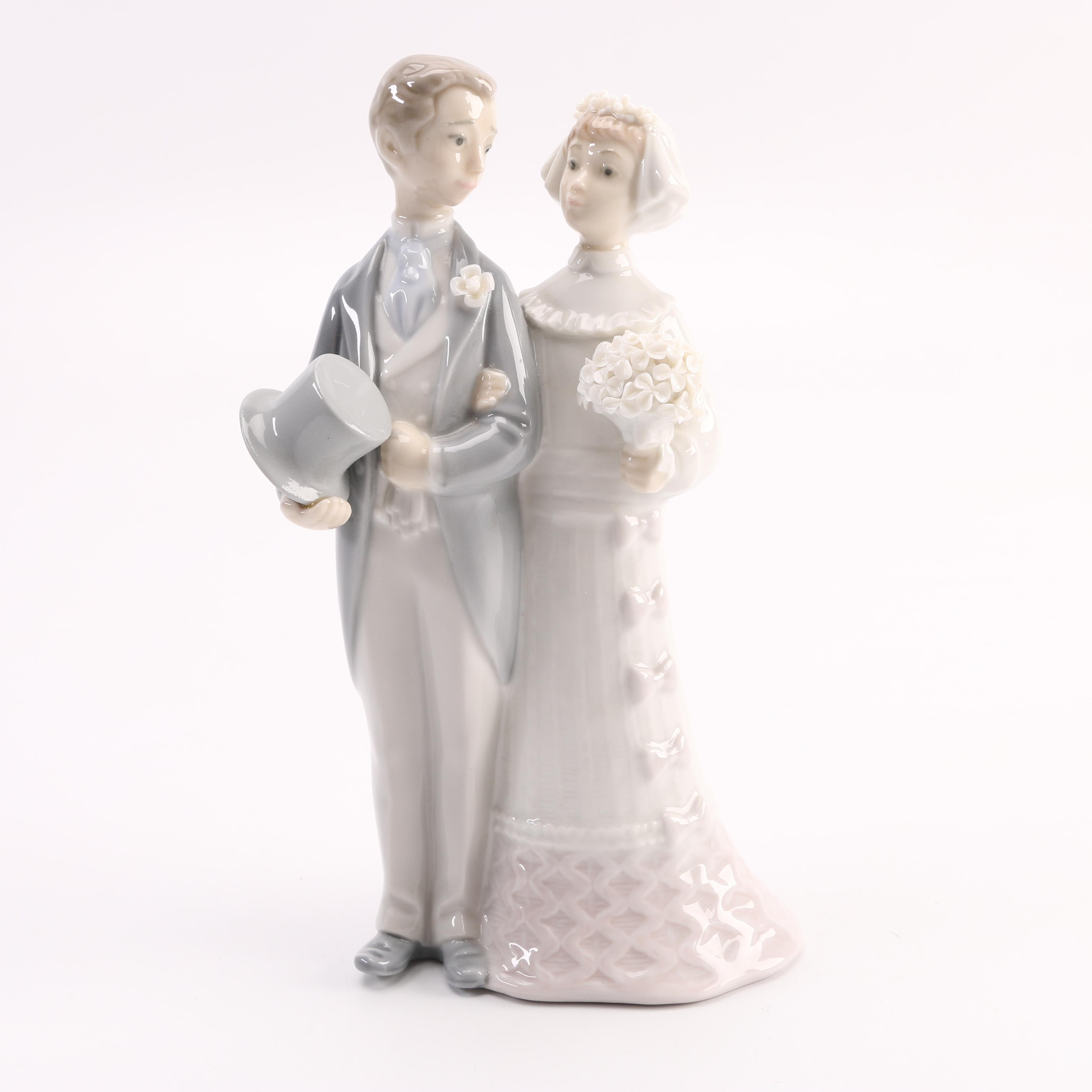 "1972 Lladró ""Wedding"" Porcelain Figurine"
