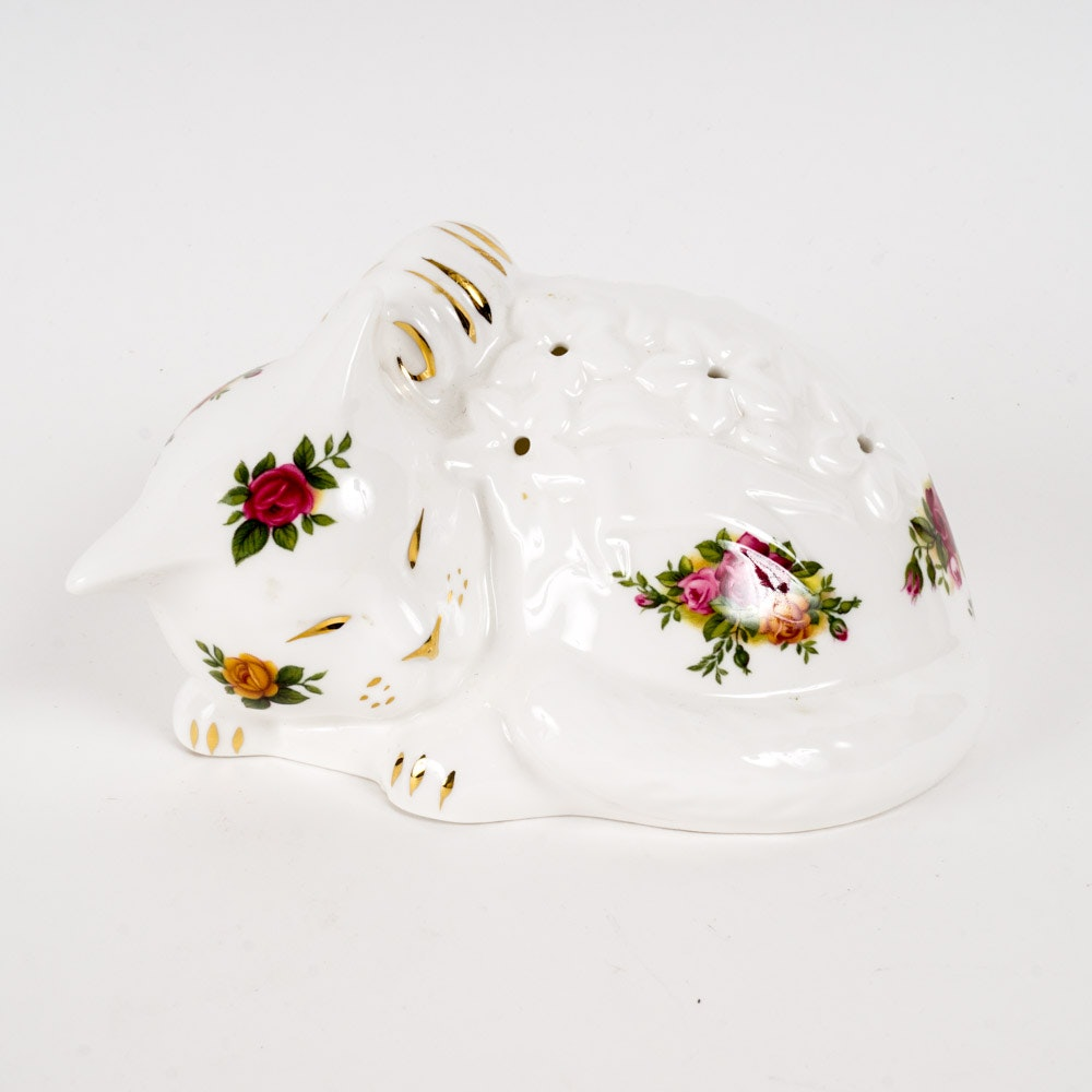 "Royal Albert ""Old Country Roses"" Cat Potpourri C. 1962"