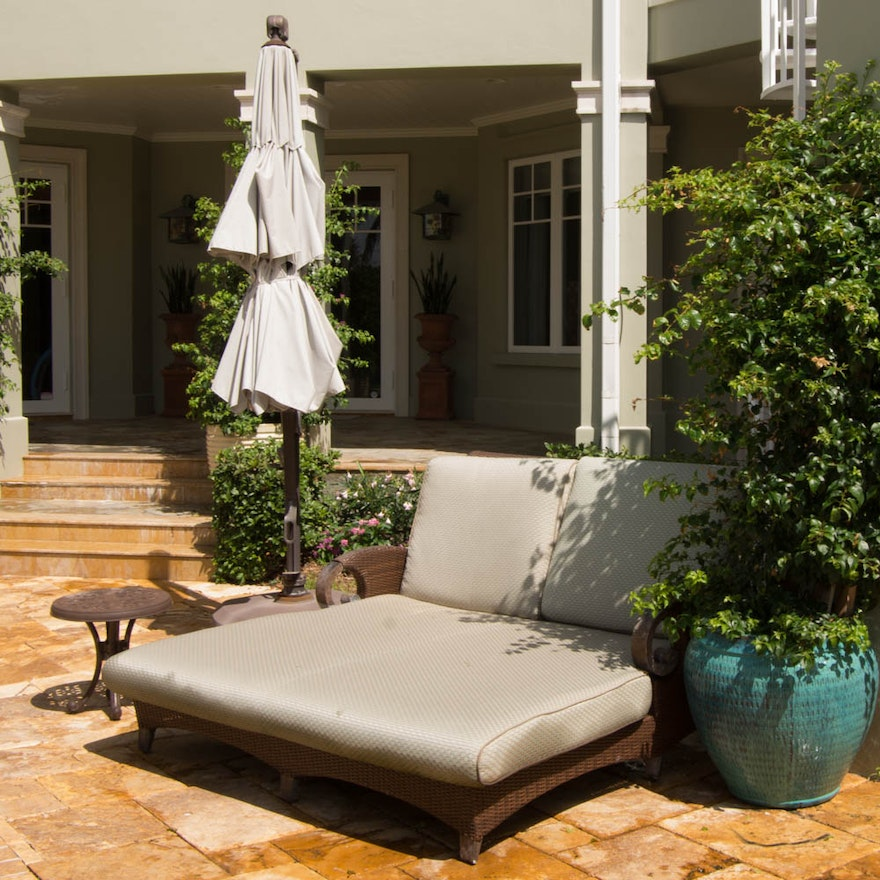 Fine Double Outdoor Lounge Chair Patio Umbrella With Stand And Accent Table Bralicious Painted Fabric Chair Ideas Braliciousco