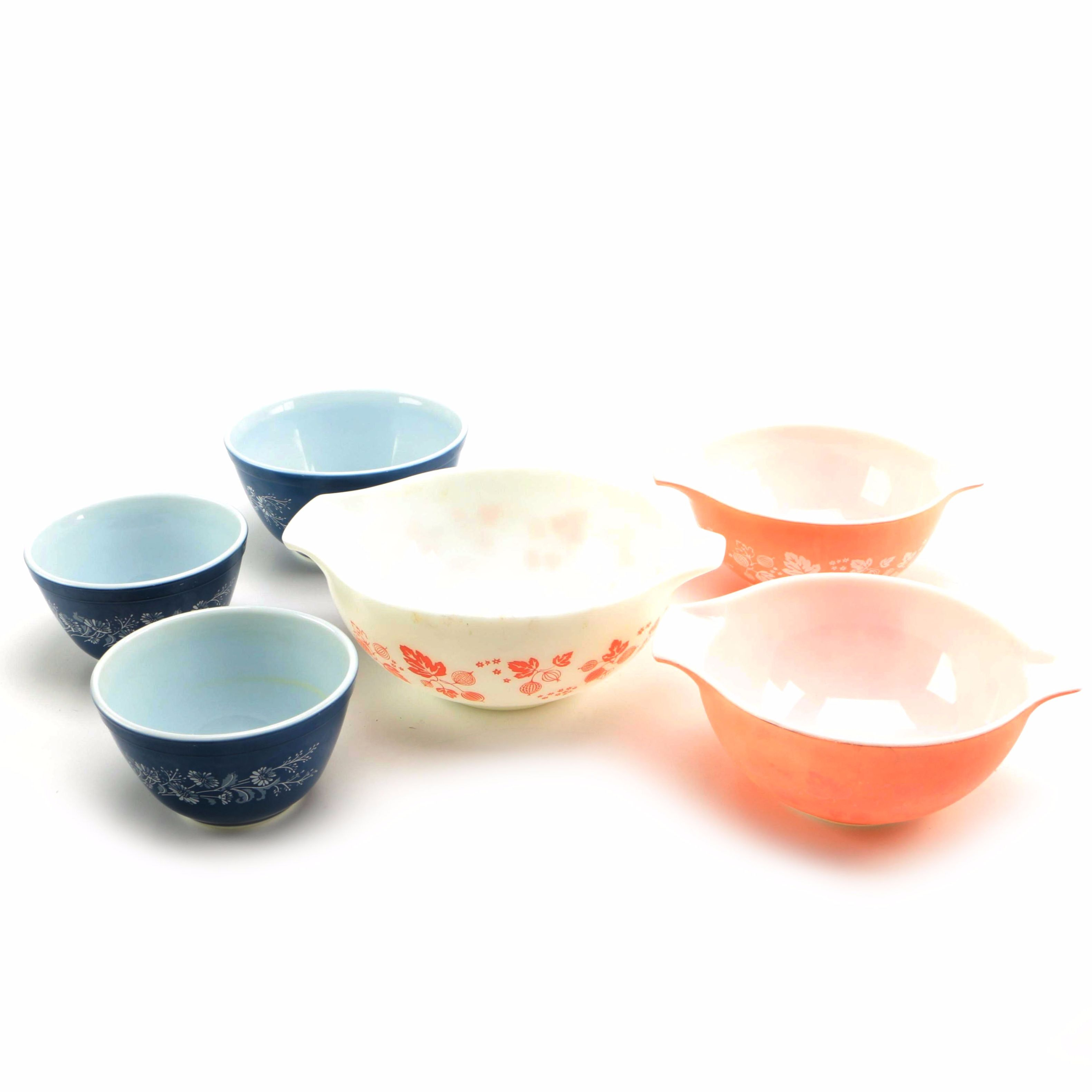 Collection of Vintage Pyrex Bowls