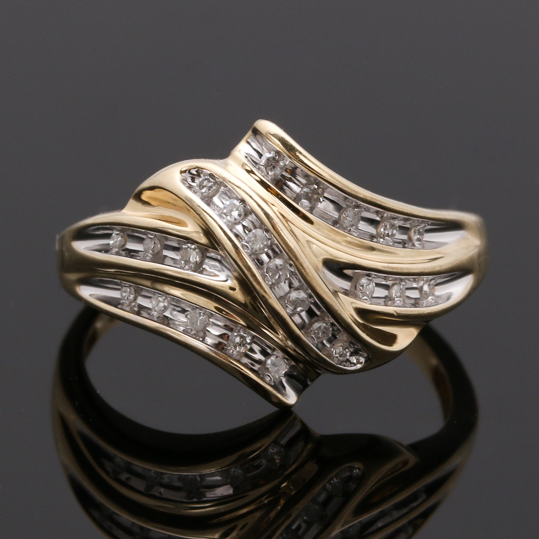 10K Yellow Gold Diamond Swirl Ring