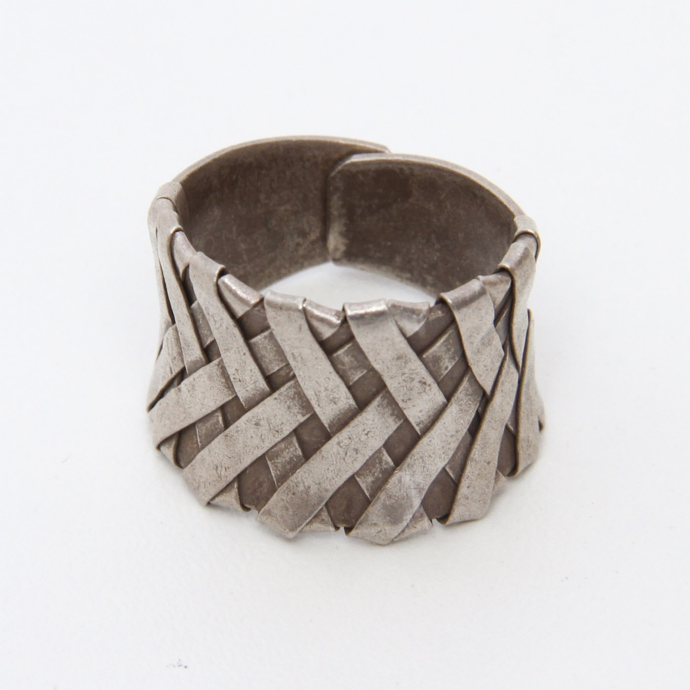 Vintage Sterling Silver Concave Band with Woven Detail