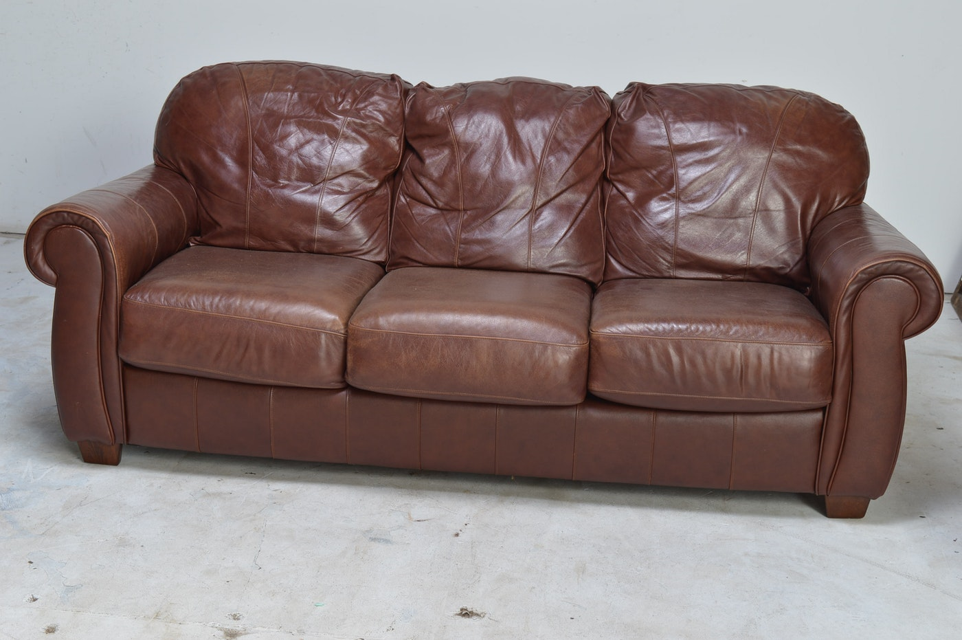 Lane Furniture Leather Sofa Or Loveseat Ebth