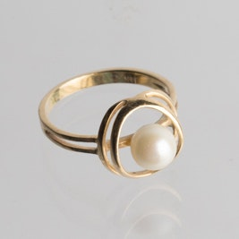 14K Yellow Gold and Cultured Pearl Accent Ring