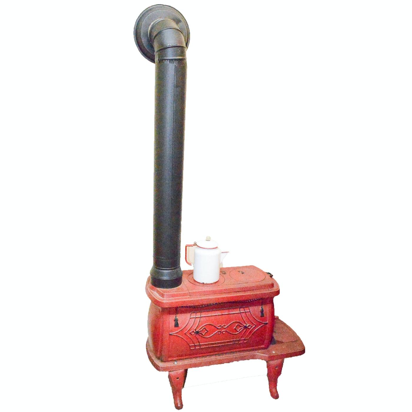 Antique Dixie Foundry Co Cast Iron Wood Burning Stove Ebth