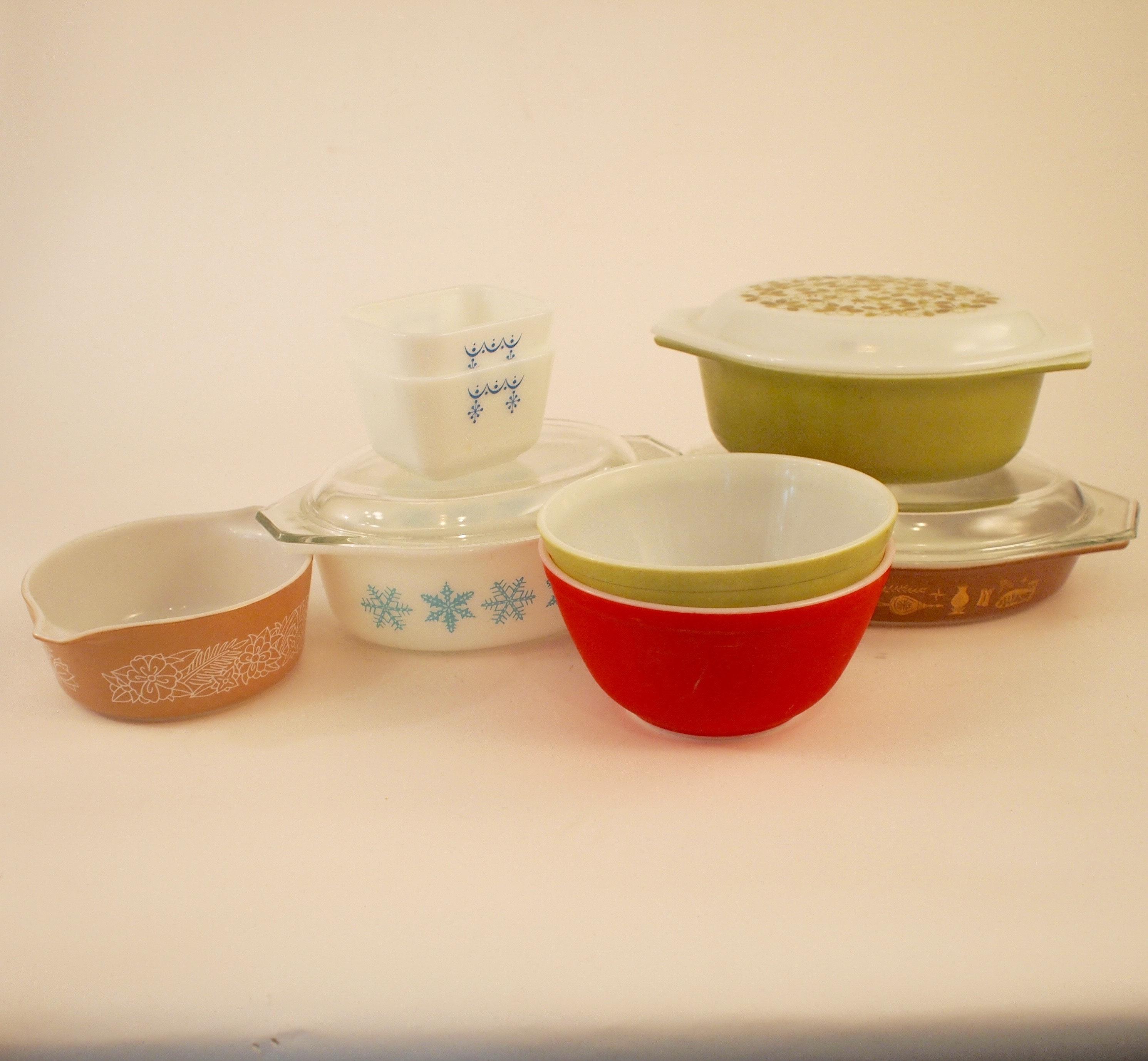 Vintage Pyrex Bowls and Casseroles