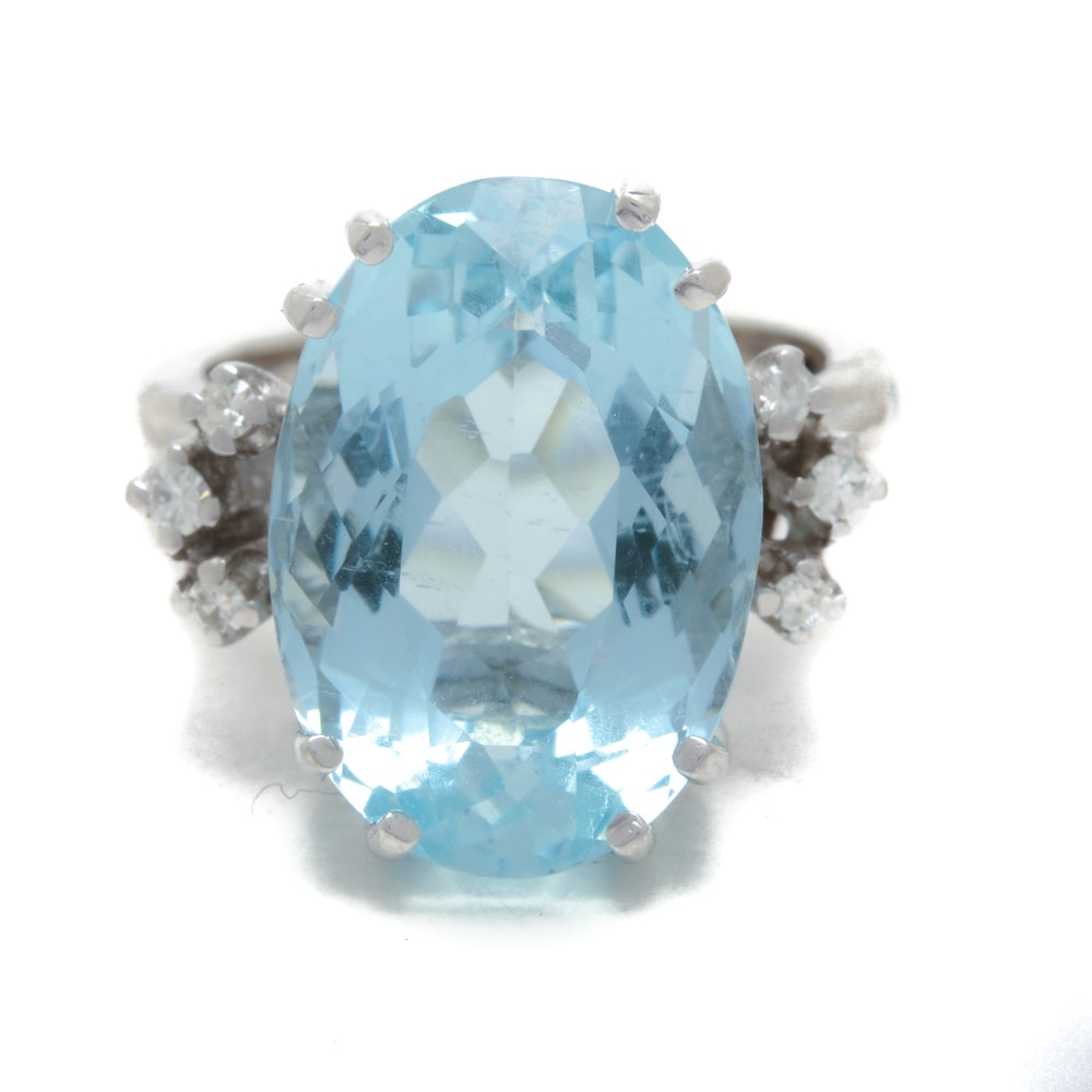 14K White Gold 11.56 Carat Aquamarine Diamond Cocktail Statement Ring