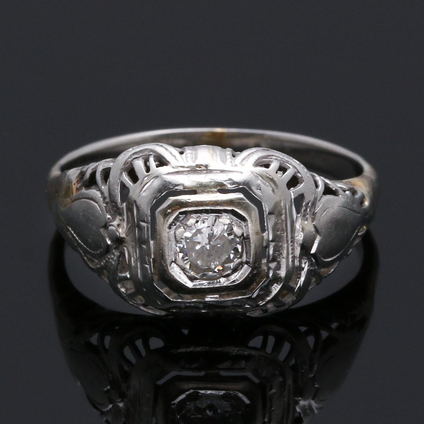 Vintage Circa 1930s 18K White Gold 0.16 CT Solitare Diamond Ring
