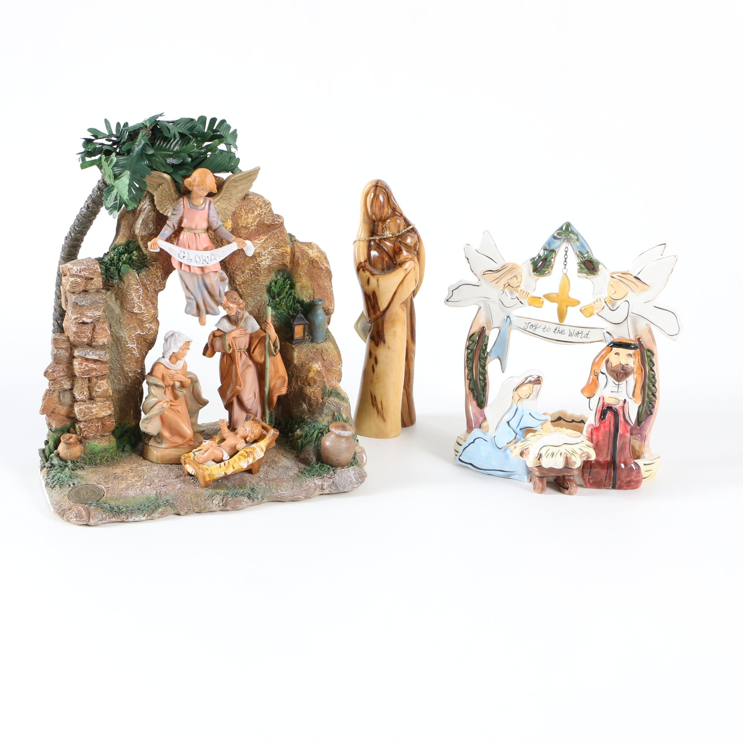 Christmas Manger Scenes With Wooden Angel