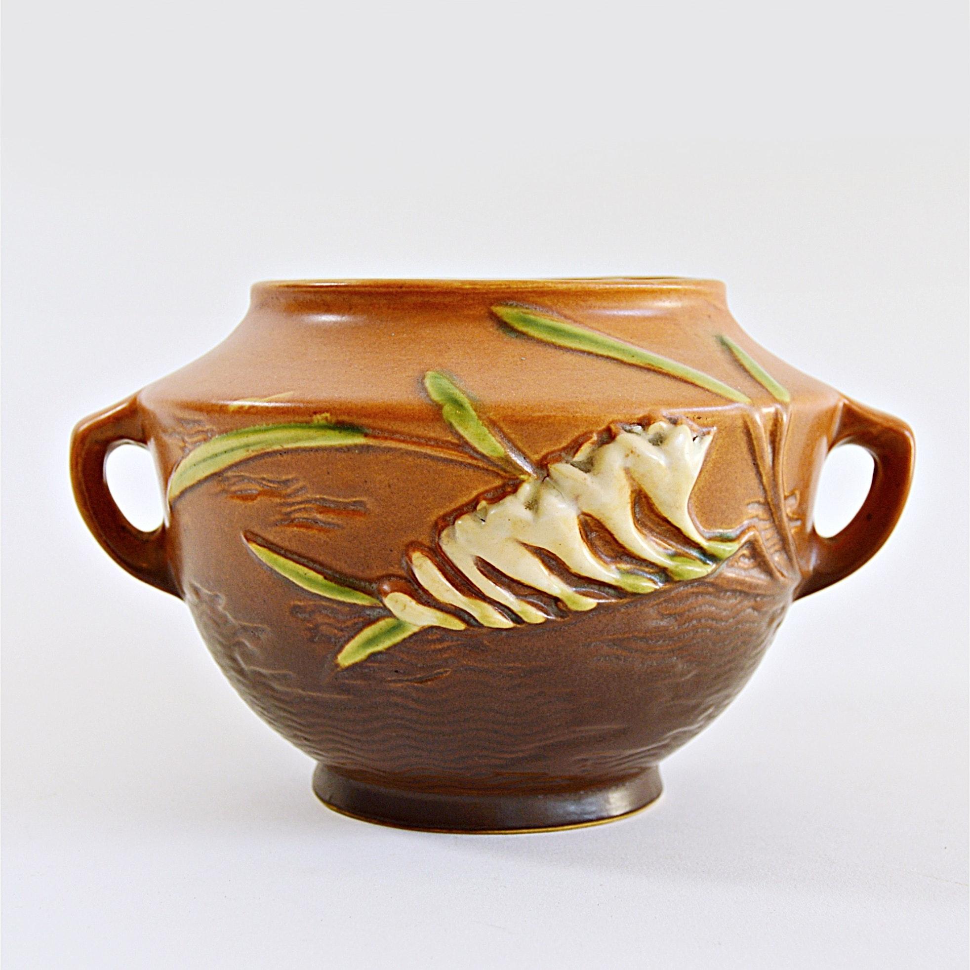 """Roseville Pottery """"Freesia"""" Vase"""
