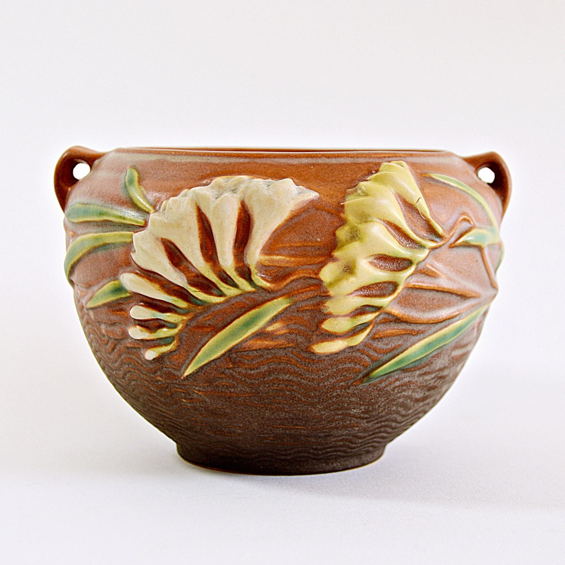 """Roseville Pottery """"Freesia"""" Jardiniere"""