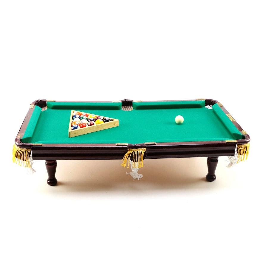 Kids Club Inspired Minnesota Fats Miniature Pool Table EBTH - Minnesota fats mini pool table