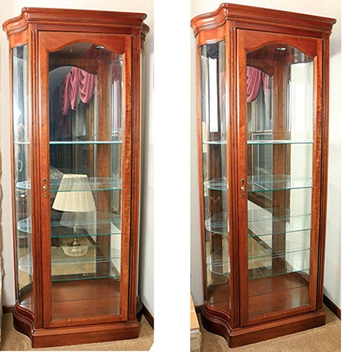 Charmant Pair Of Curio Cabinets By The Jasper Cabinet Company ...