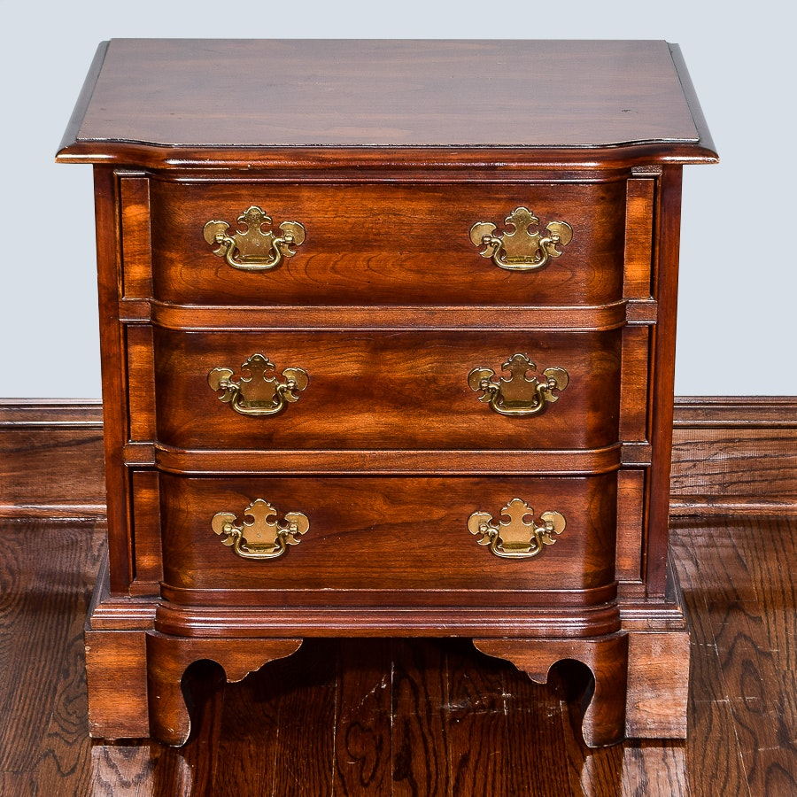 Chippendale Style Bed Side Chest of Drawers