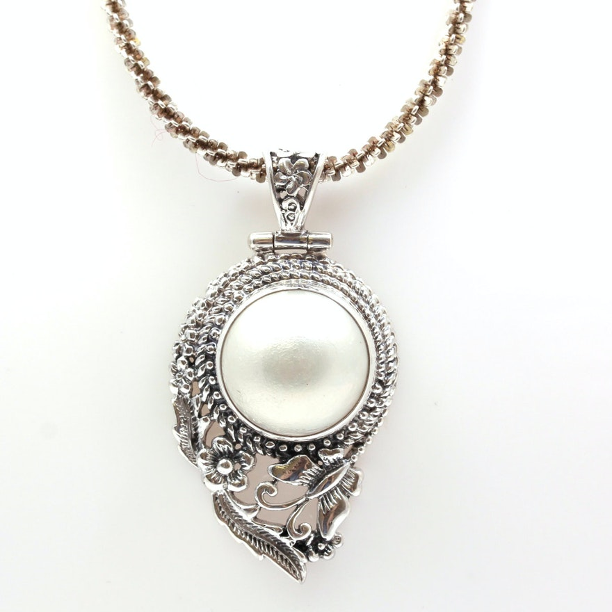 Mabe Pearl Necklace: Sterling Silver Mabe' Pearl Pendant Necklace