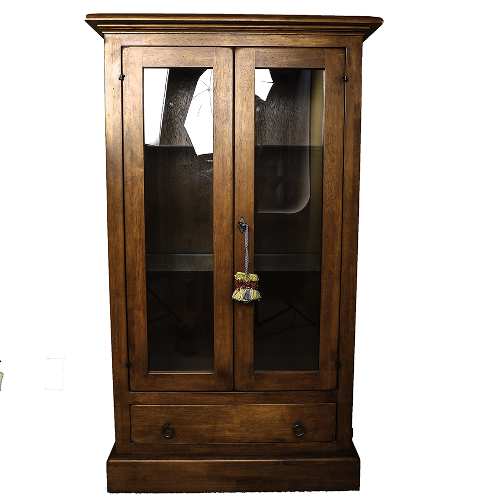 China Cabinet with Lighting Feature and Skeleton Key Lock : EBTH