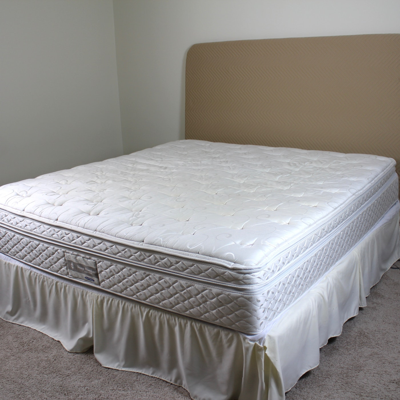 King Size Sleep Number Bed With Upholstered Padded