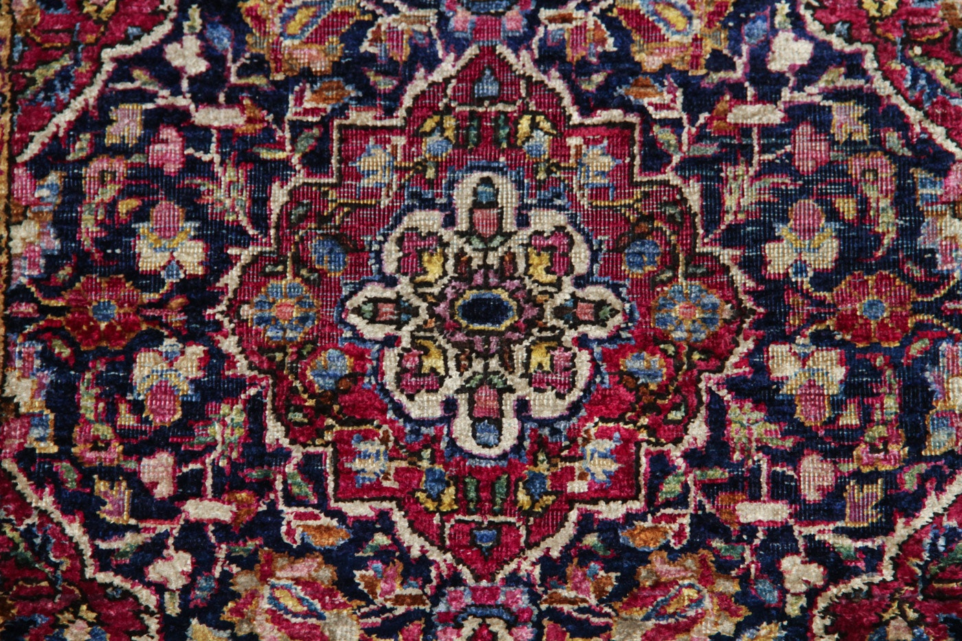 Persian Hand Knotted Kashan Silk And Wool Area Rug Ebth