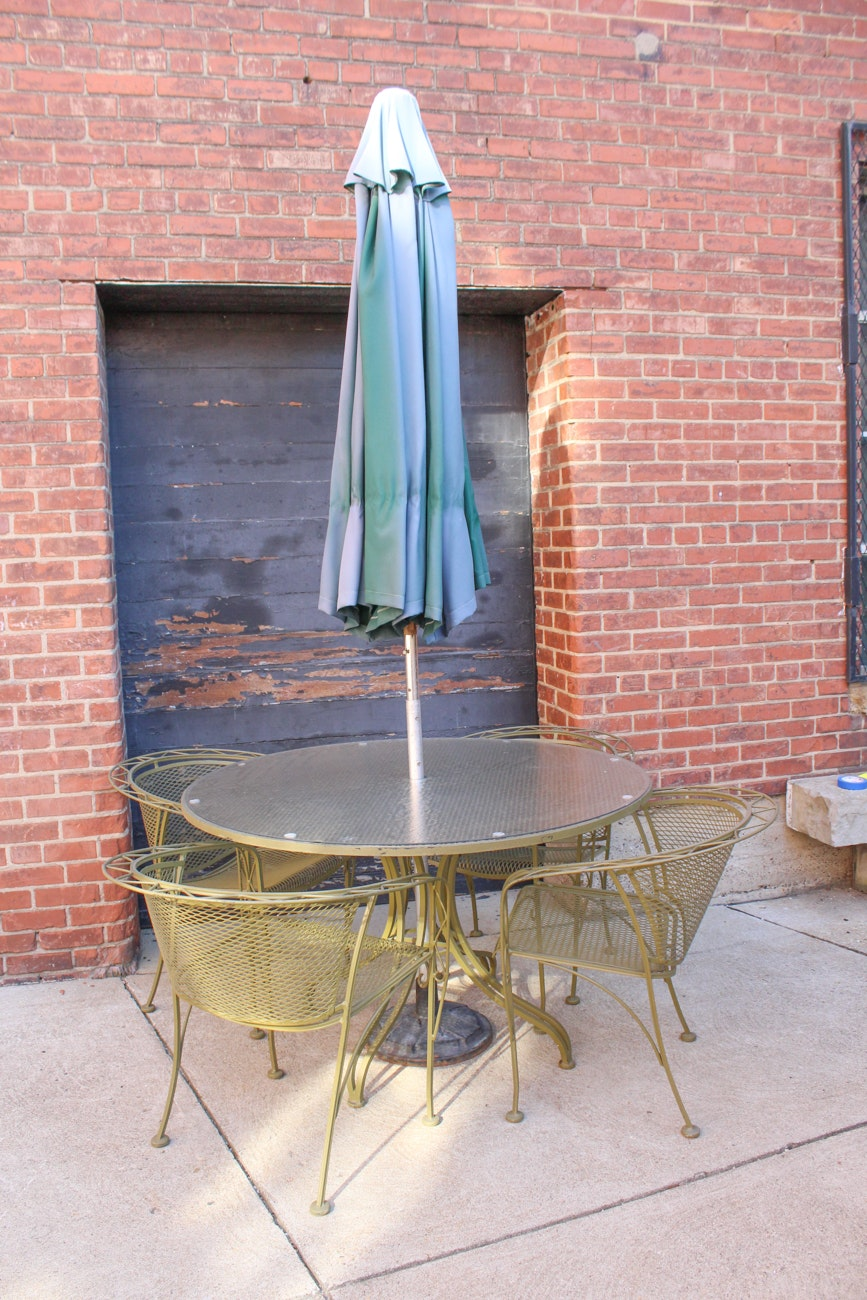 Vintage Green Wrought Iron Patio Table And Chairs