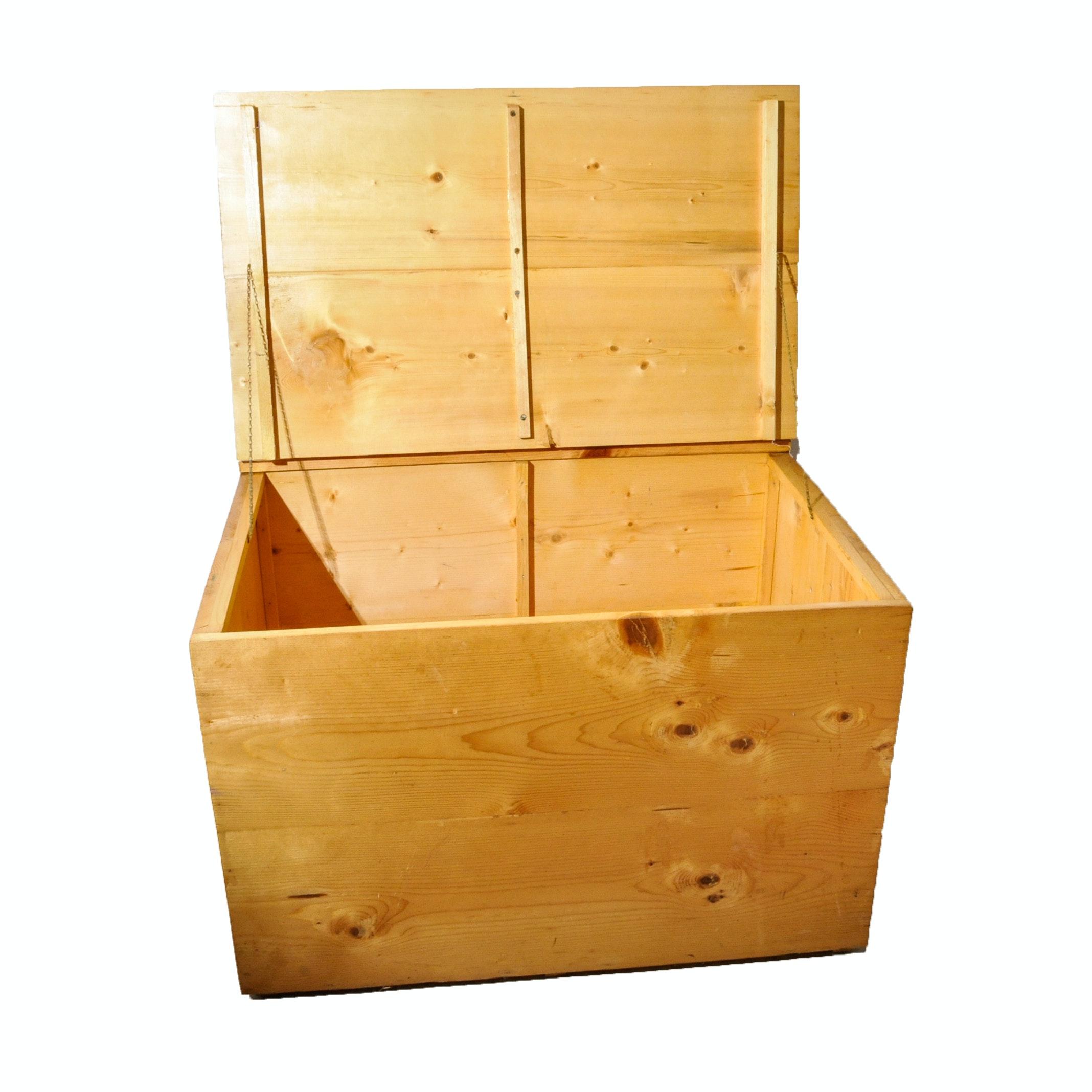 Pine Storage Trunk