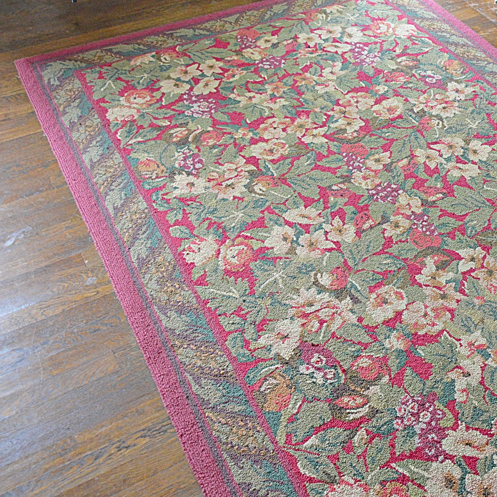 Floral Hooked Area Rug