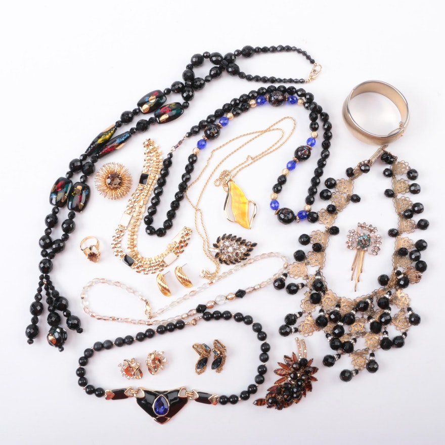 14a8b42cb20 Assorted Costume Jewelry Including a Brooch with Smoky Quartz : EBTH