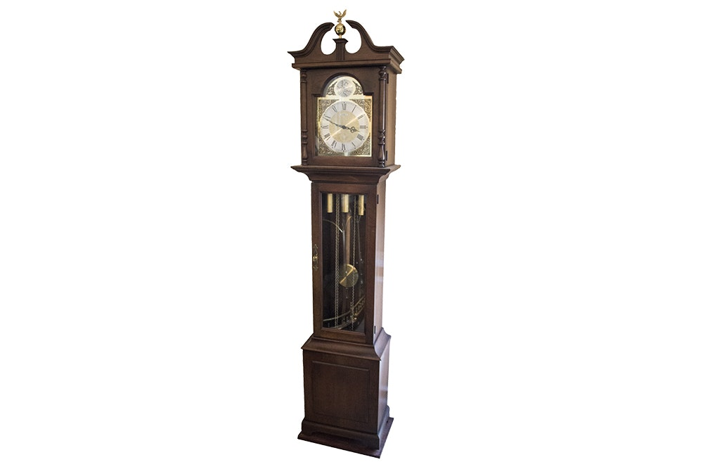 "Howard Miller Chippendale Style ""Tempus Fugit"" Grandfather Clock"