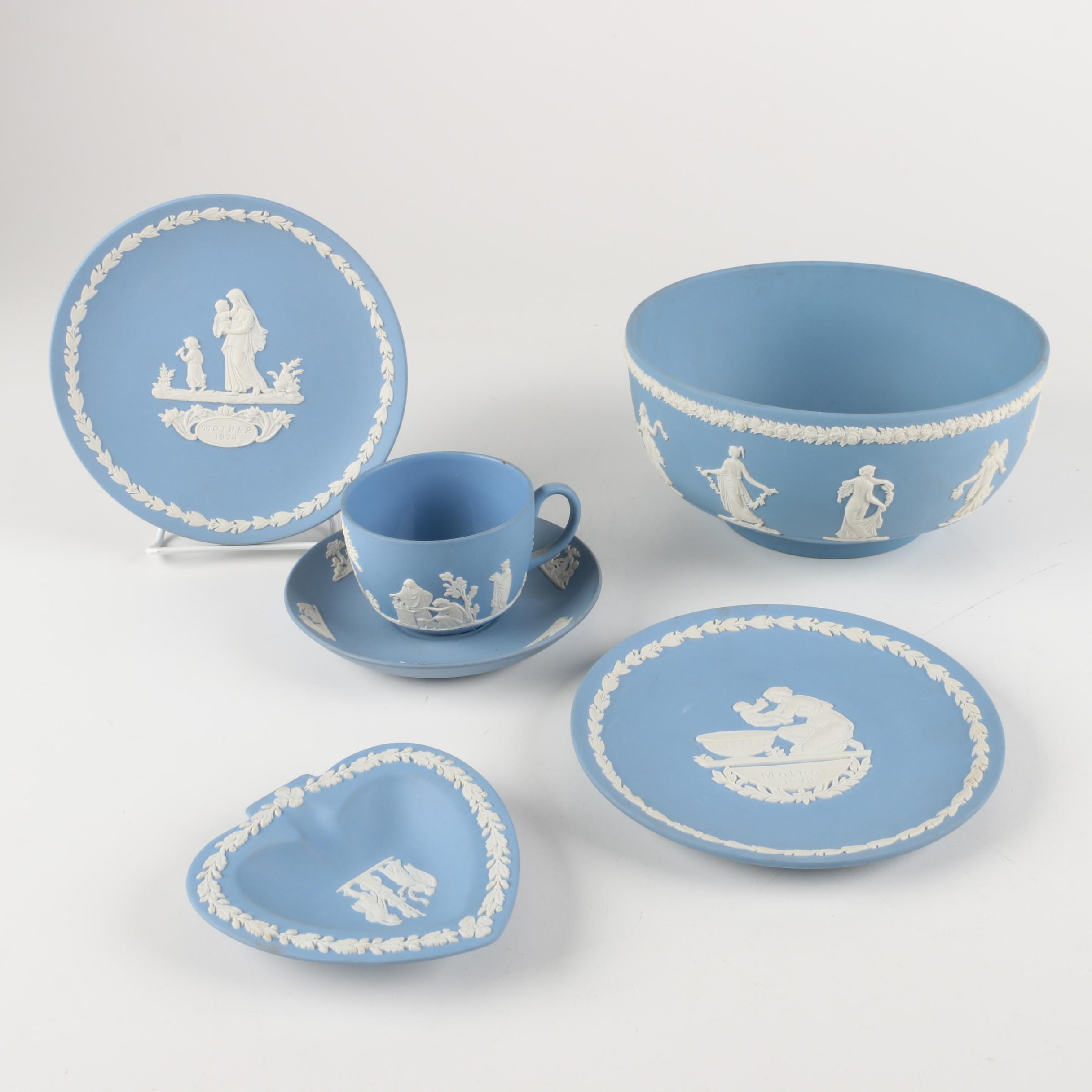 Wedgwood Cream-on-Lavender Jasperware