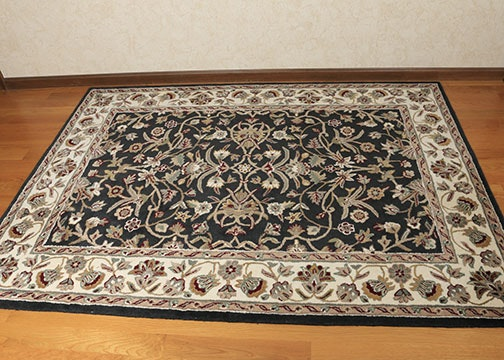 Machine Made Floral Wool Area Rug