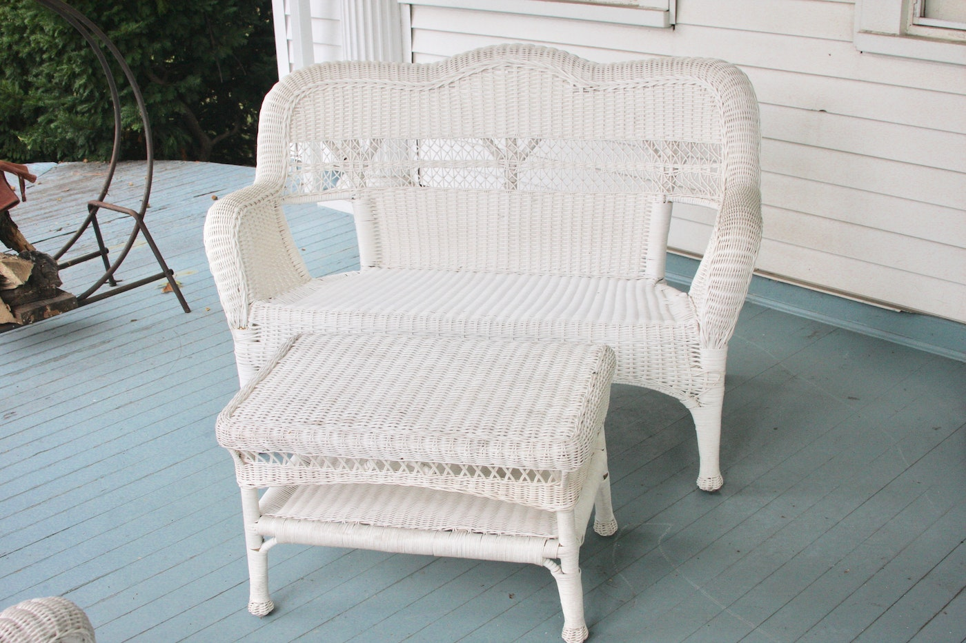 White Resin Wicker Patio Loveseat And Coffee Table Ebth