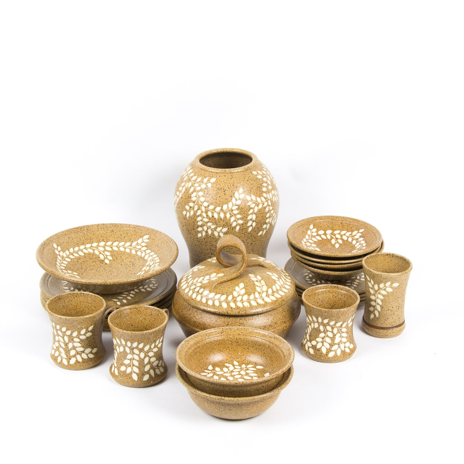 Hand Thrown Stoneware Tableware Collection