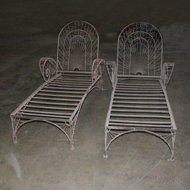 Set of Two Metal Patio Lounge Chairs