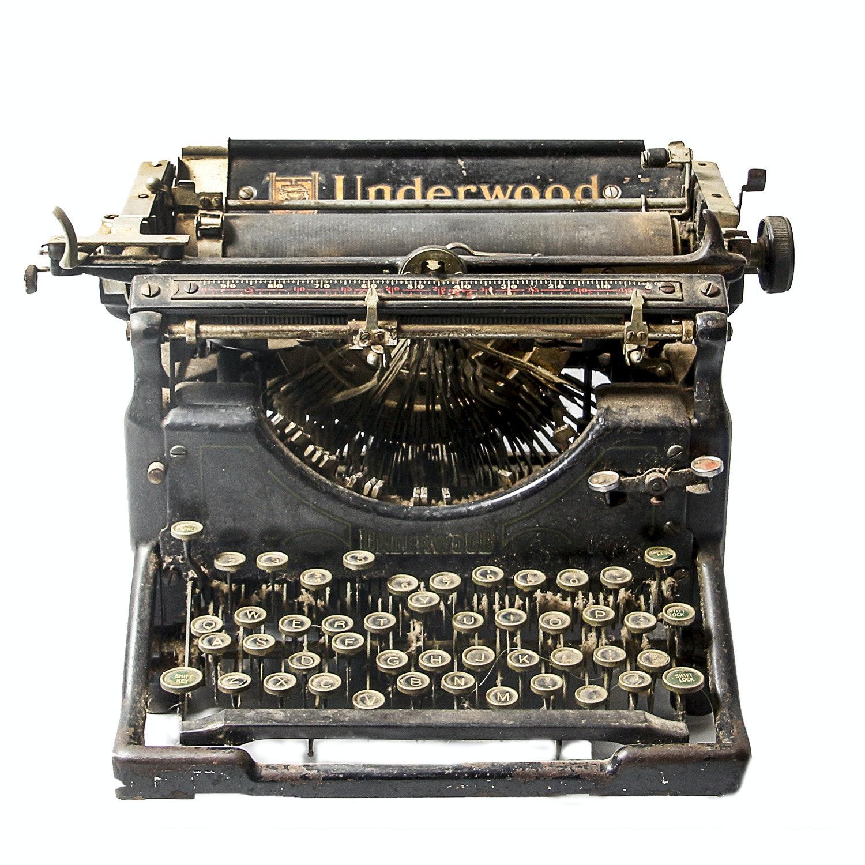 Vintage Underwood Model 05 Typewriter