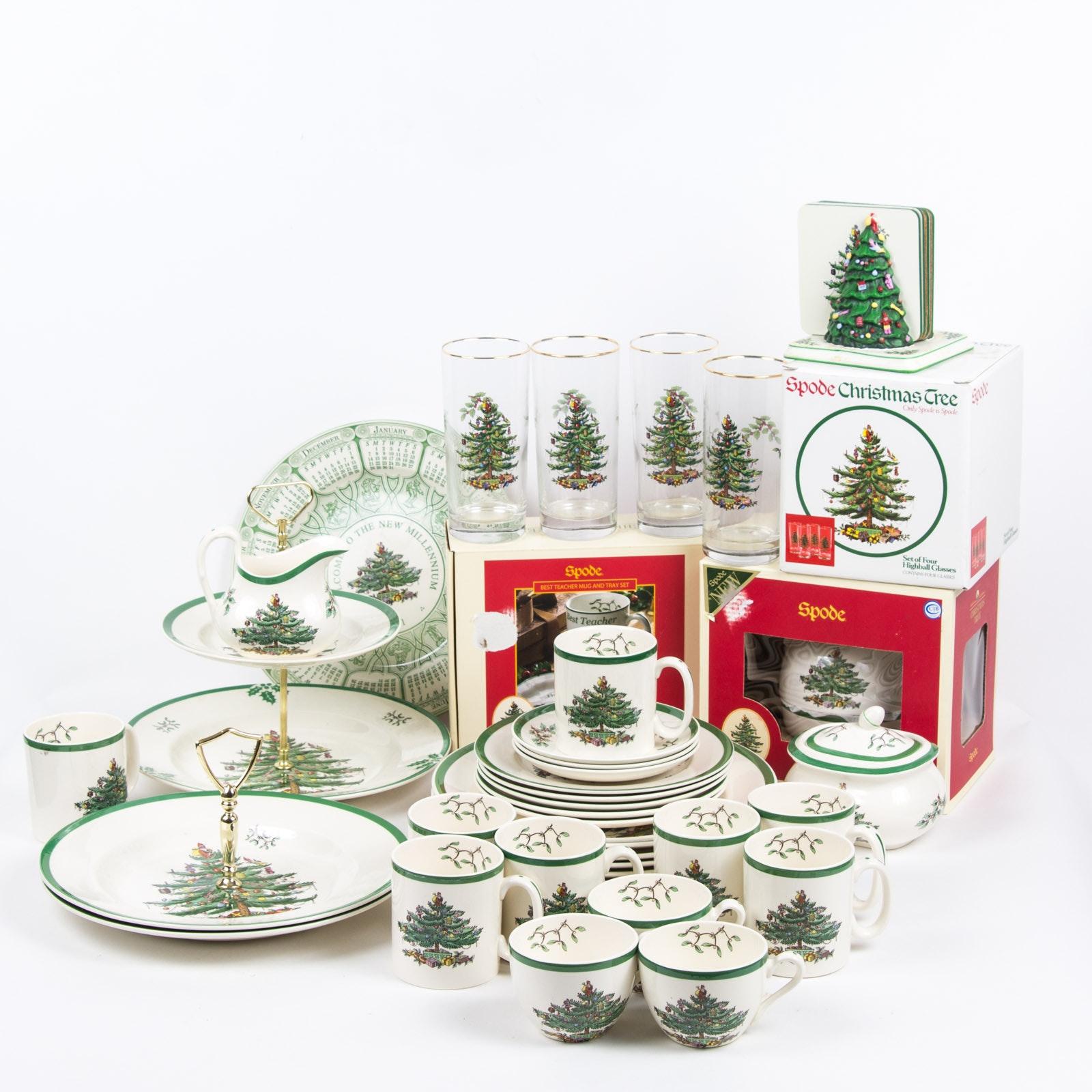 "Spode ""Christmas Tree"" Fine China Collection"