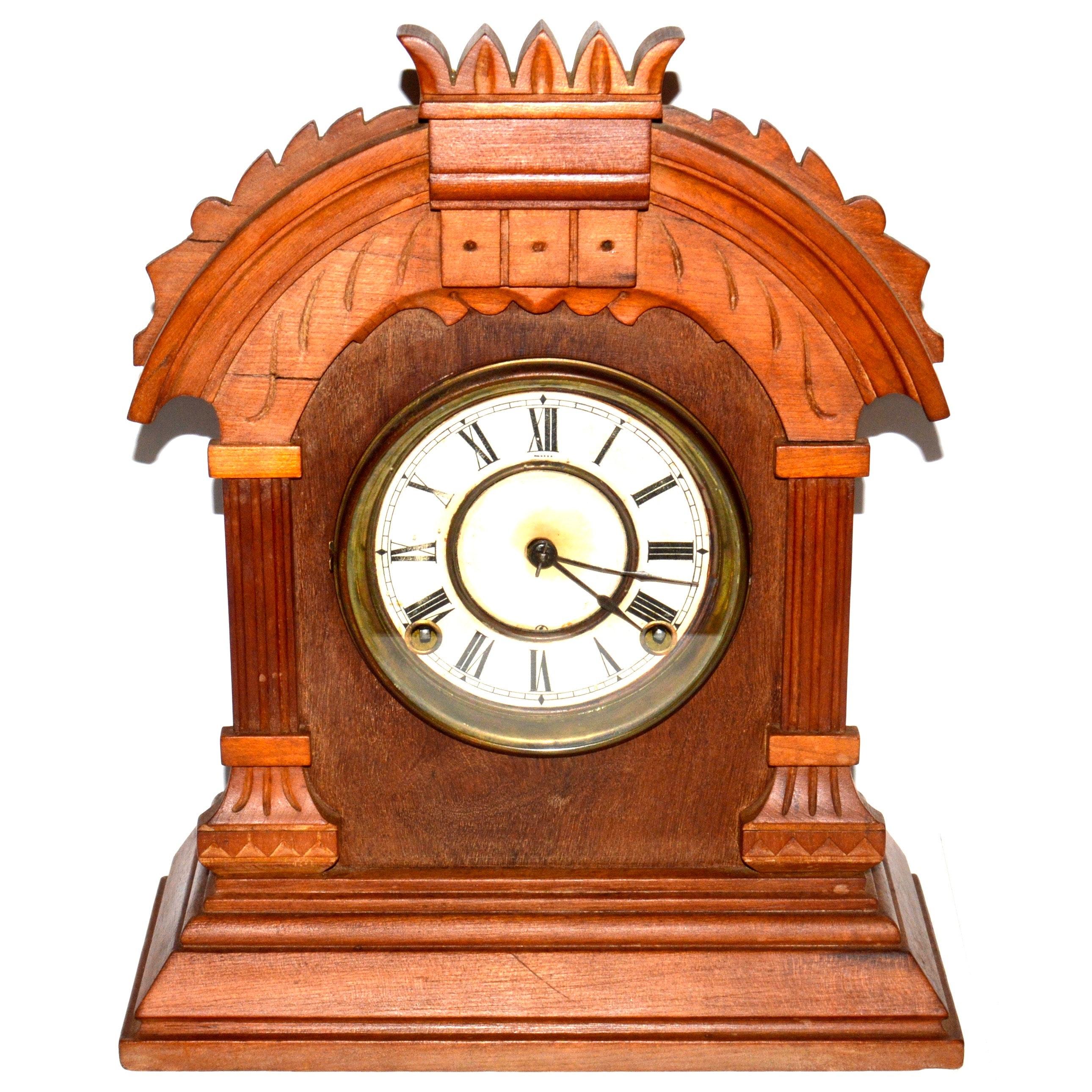 Vintage Carved Wooden Mantel Clock