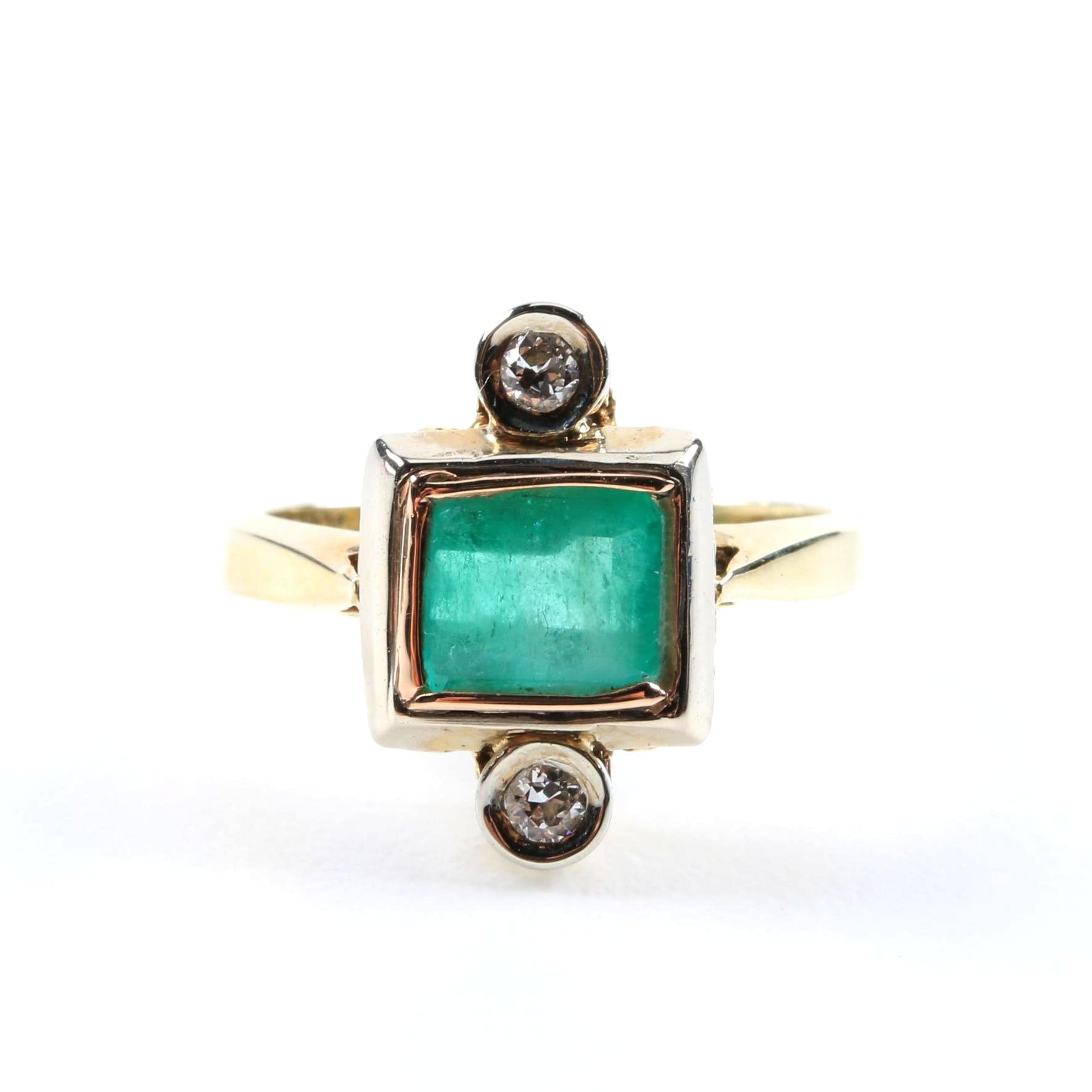 14K Yellow Gold Ring with Emerald and Diamonds