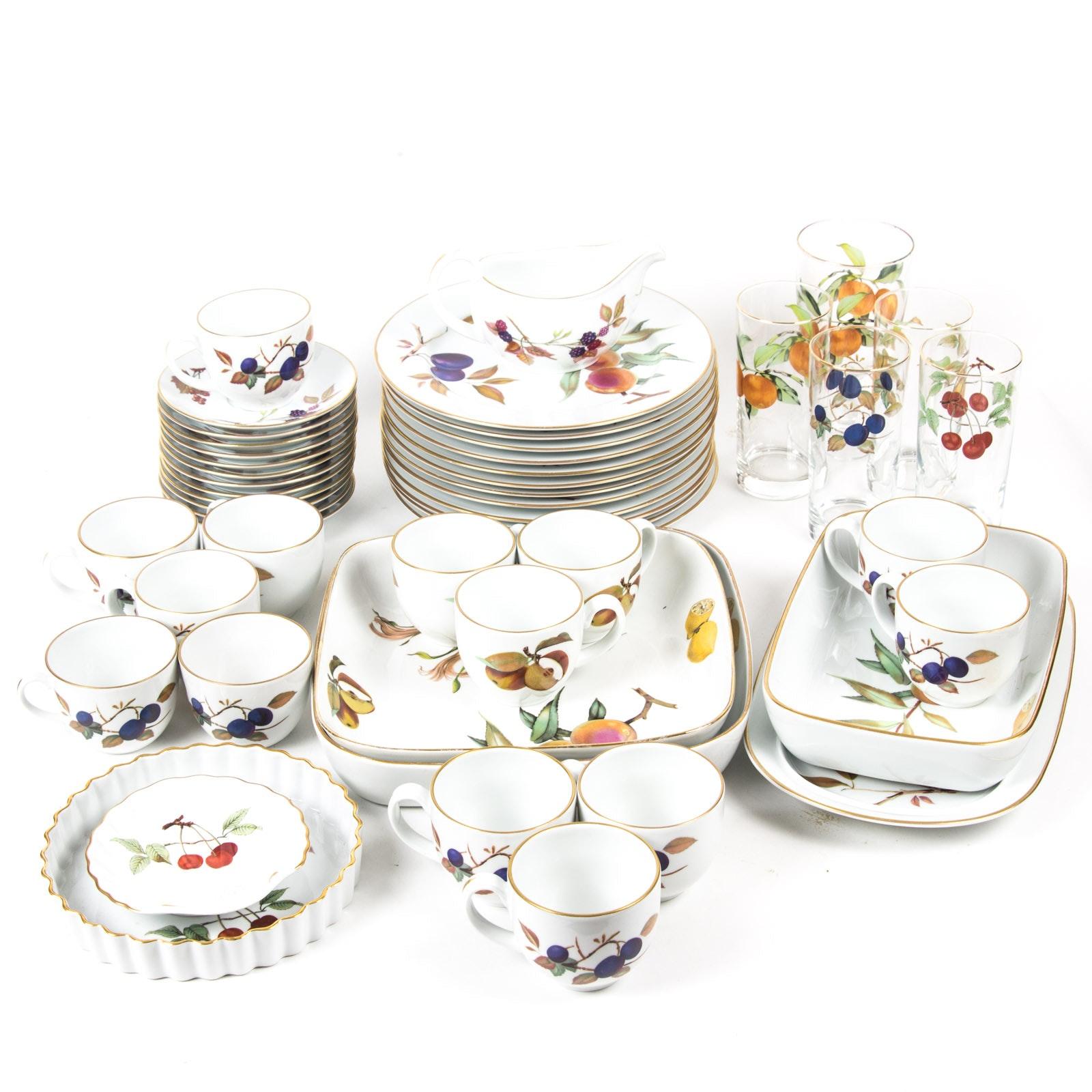 """Royal Worcester """"Evesham"""" Fine Porcelain Tableware Collection"""