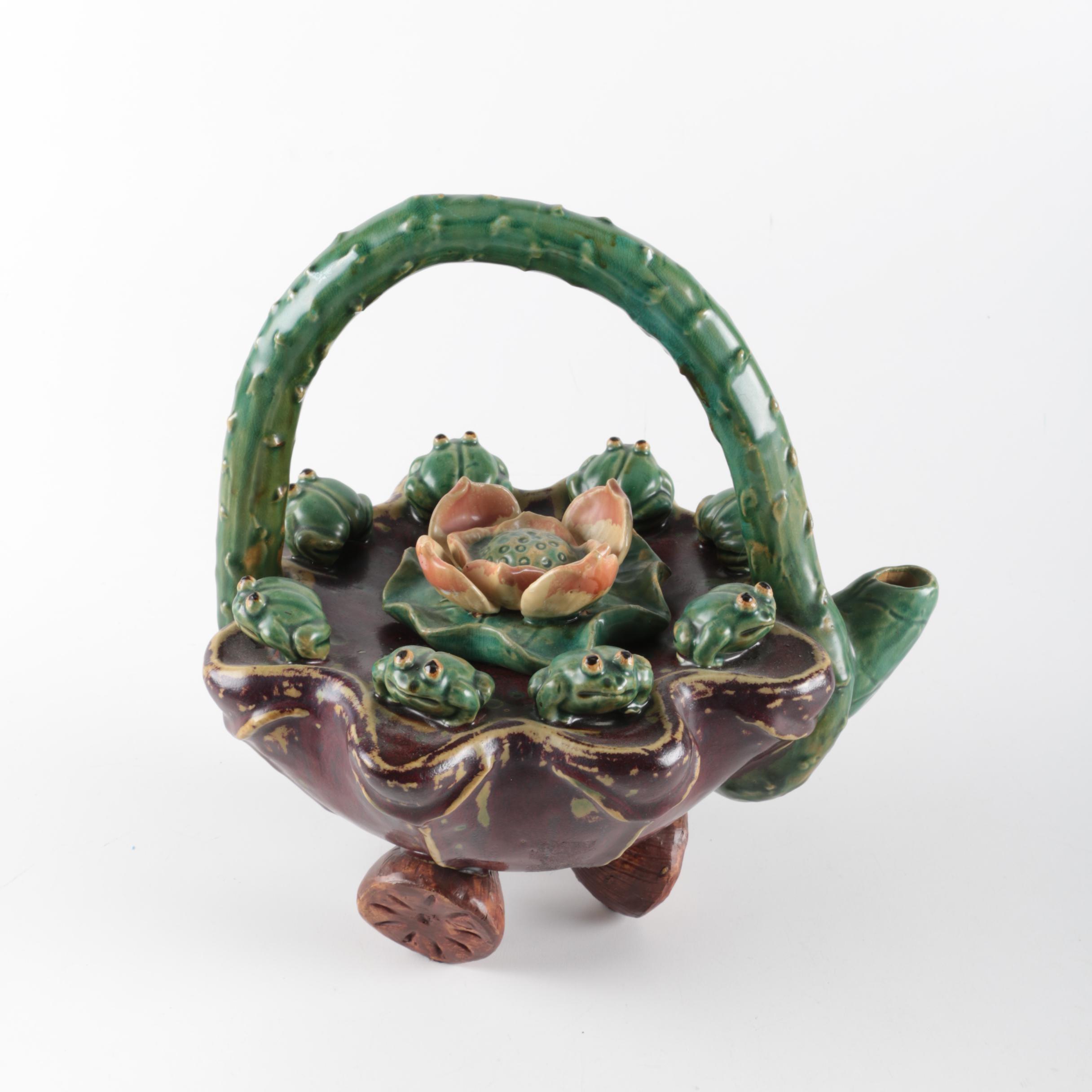 Ceramic Frog Themed Decorative Teapot
