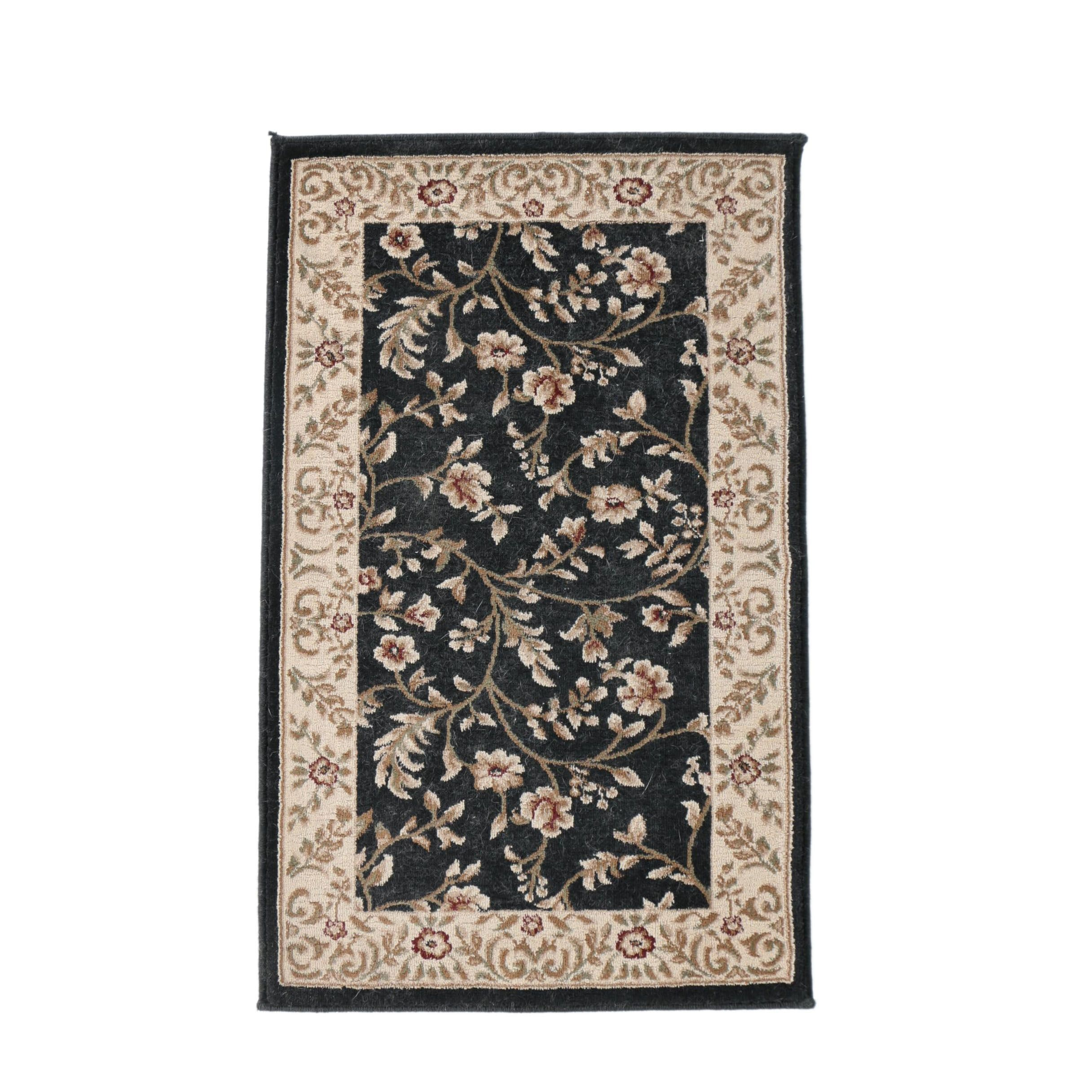 Machine Made Floral Accent Rug