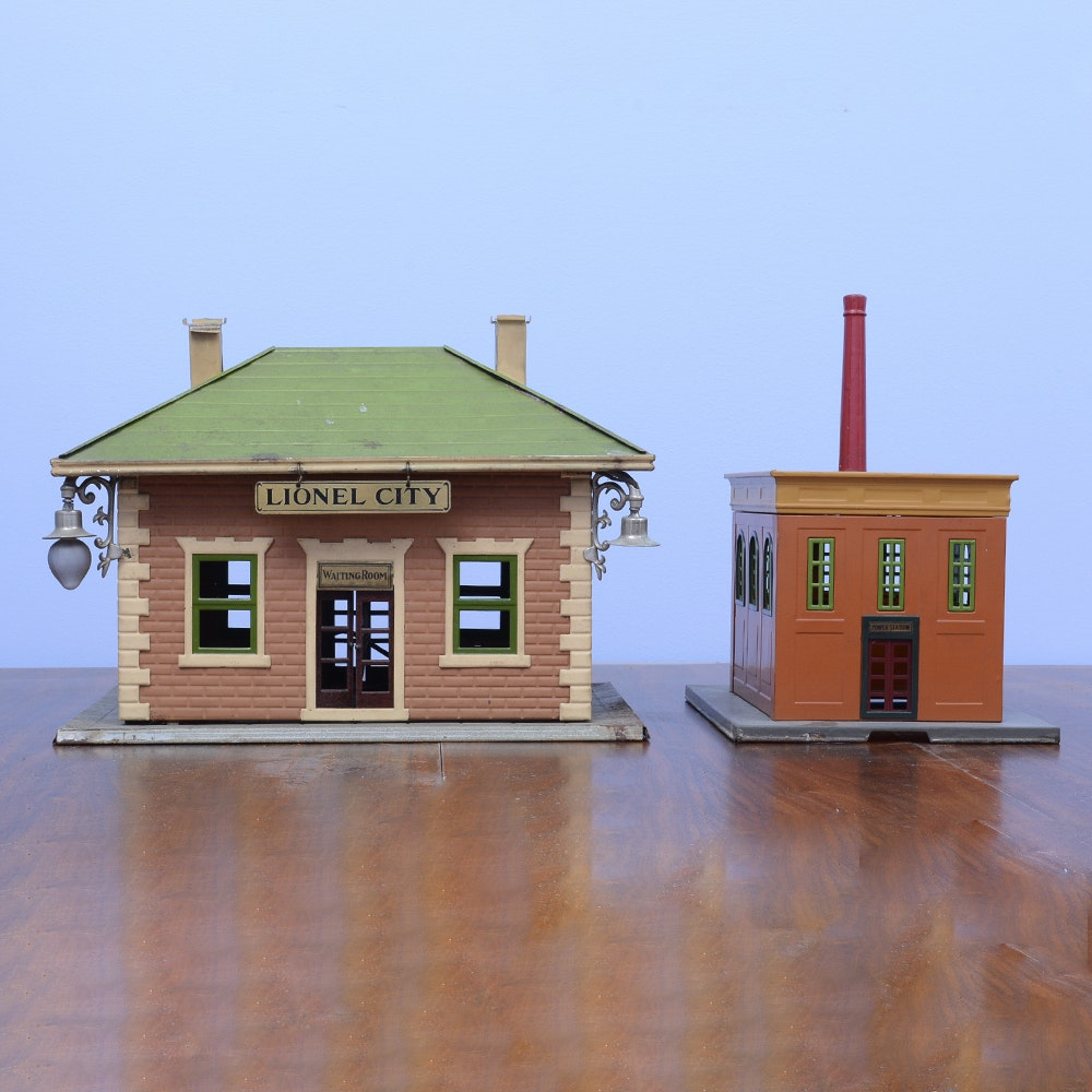 Pre-War Lionel Tinplate Train Buildings