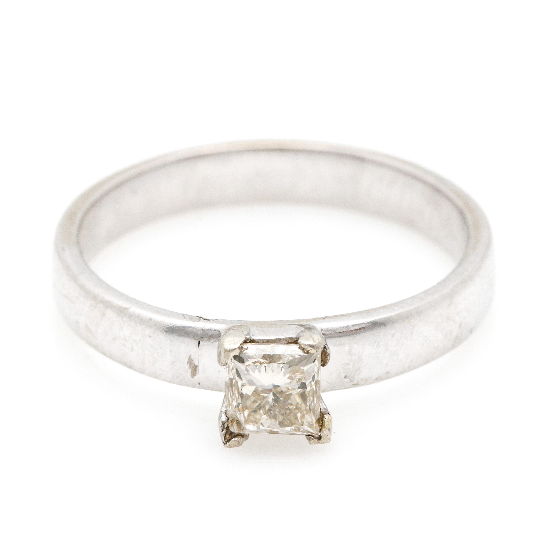 14K White Gold Diamond Solitaire