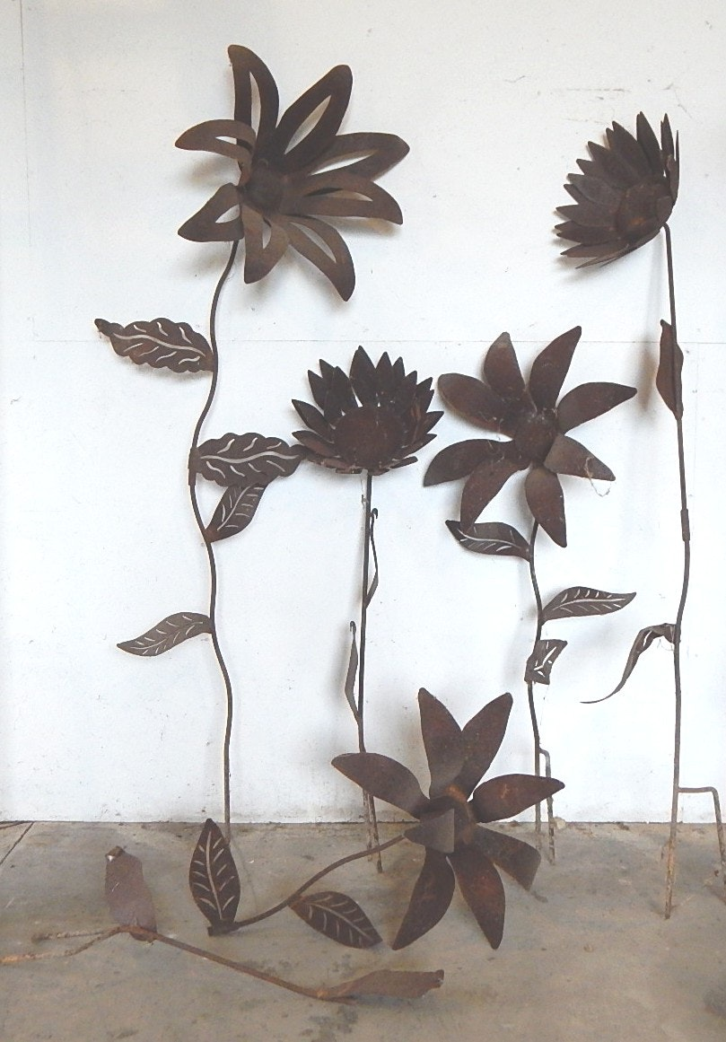 Oversized Rustic Garden Flowers