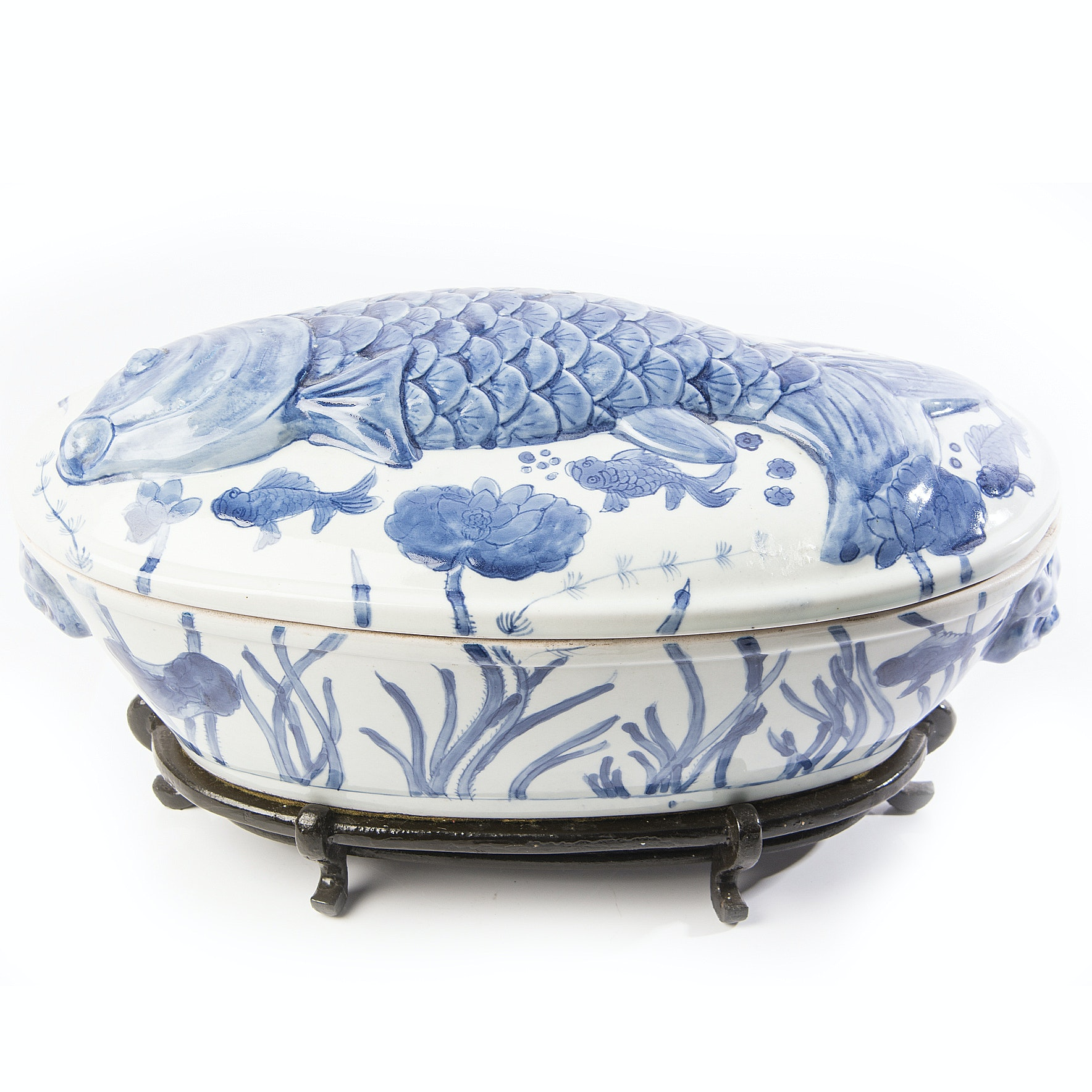 Blue and White Porcelain Covered Fish Bowl