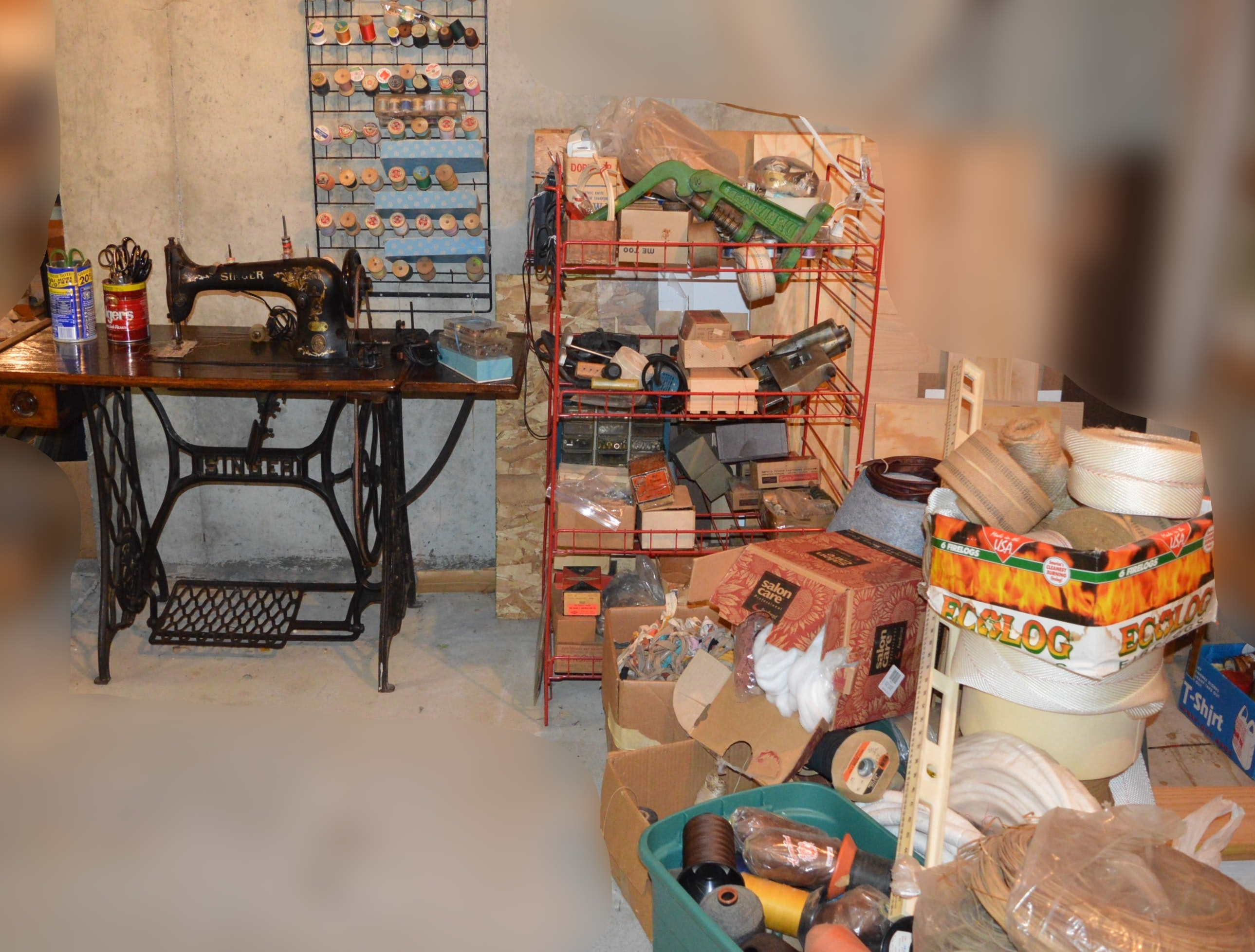 Antique Singer Upholstery Machine and Loads of Upholstery Items