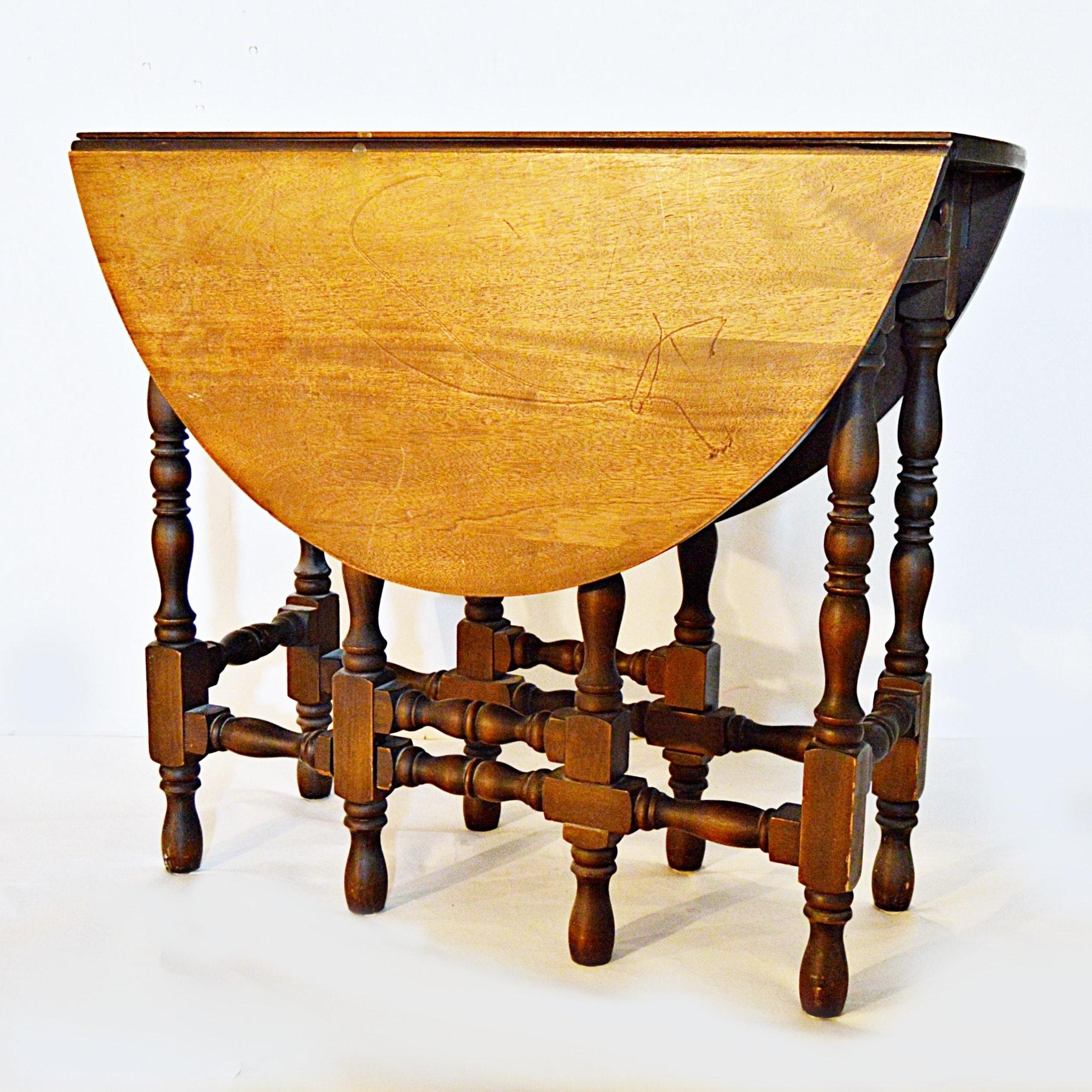 Vintage William and Mary Style Mahogany Gateleg Table
