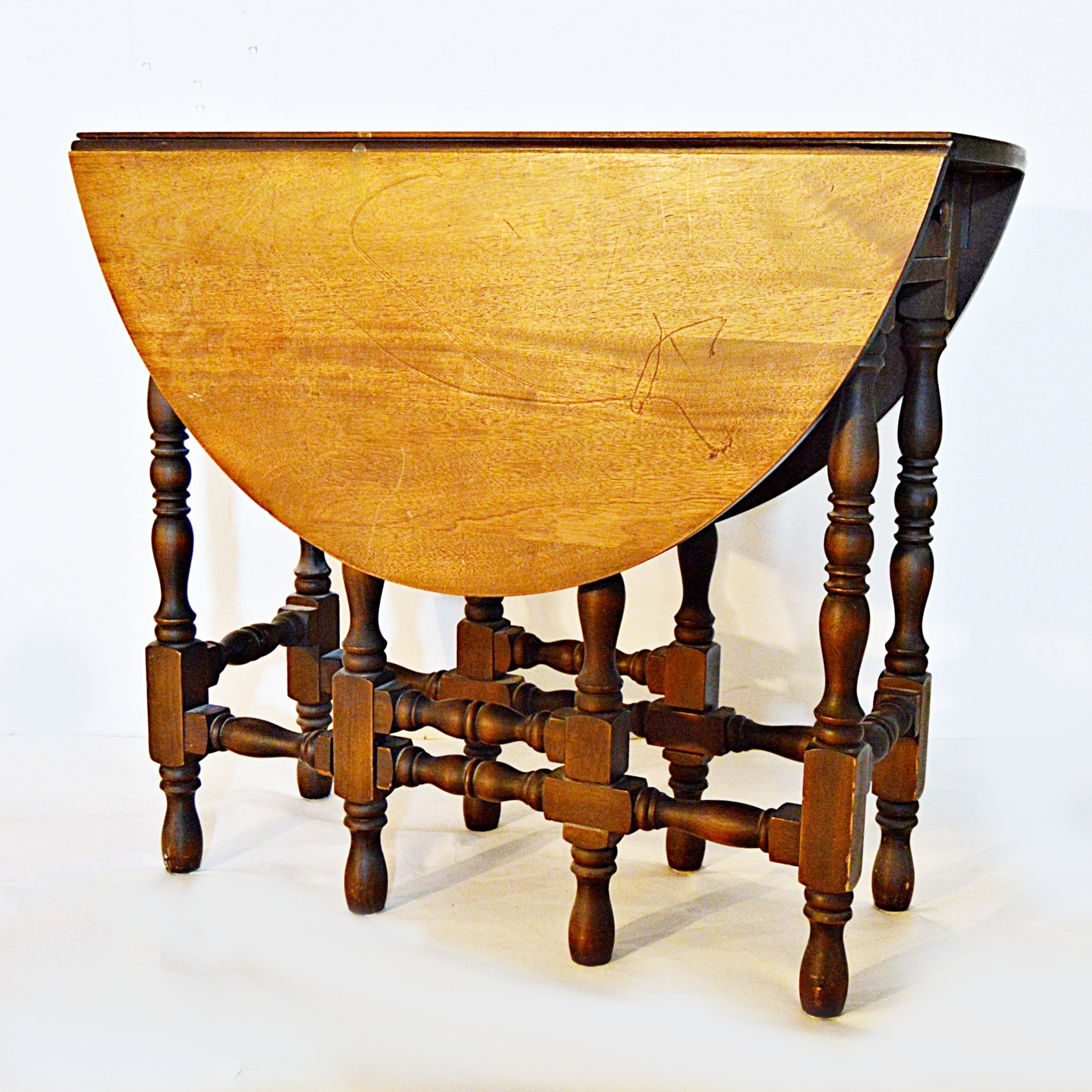 Merveilleux Vintage William And Mary Style Mahogany Gateleg Table ...