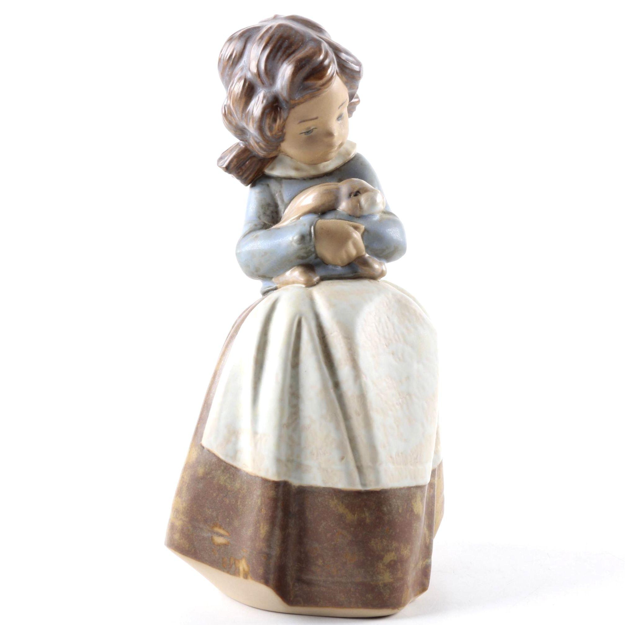"Lladro ""Tenderness"" Porcelain Figurine"