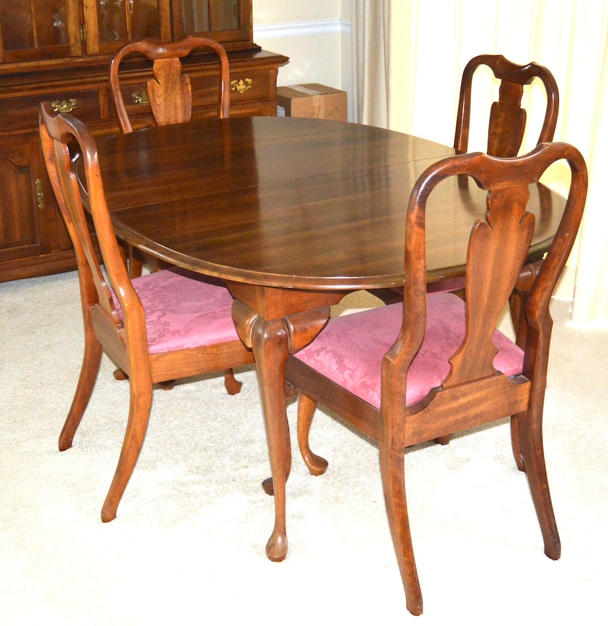 Queen Anne Style Dining Table And Chairs By Cresent
